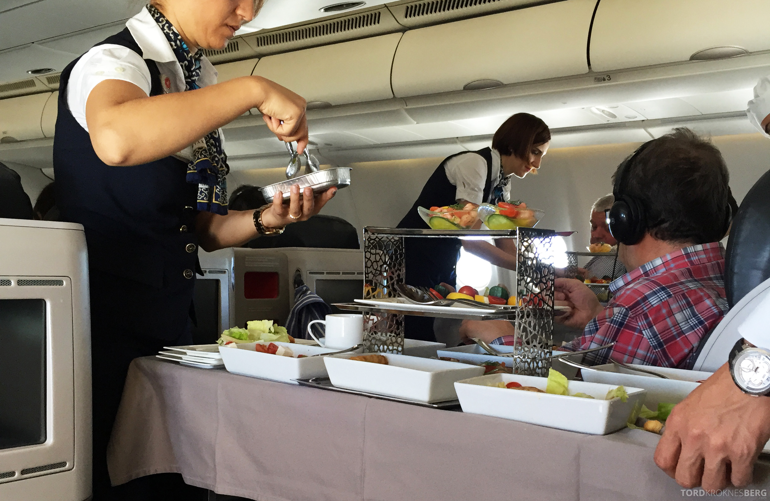 Turkish Airlines Business Class Boston servering lunch