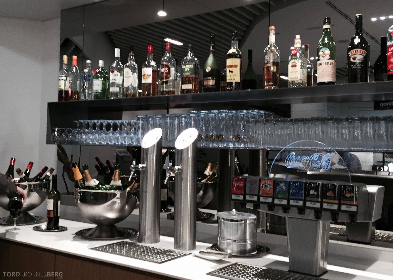 Lufthansa Senator Lounge Frankfurt drinks