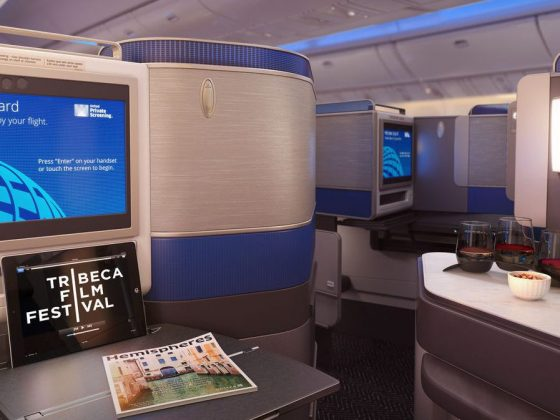 United Business Class Polaris skjerm