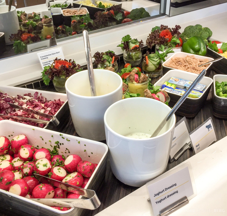 Lufthansa Senator Lounge München lunchbuffet