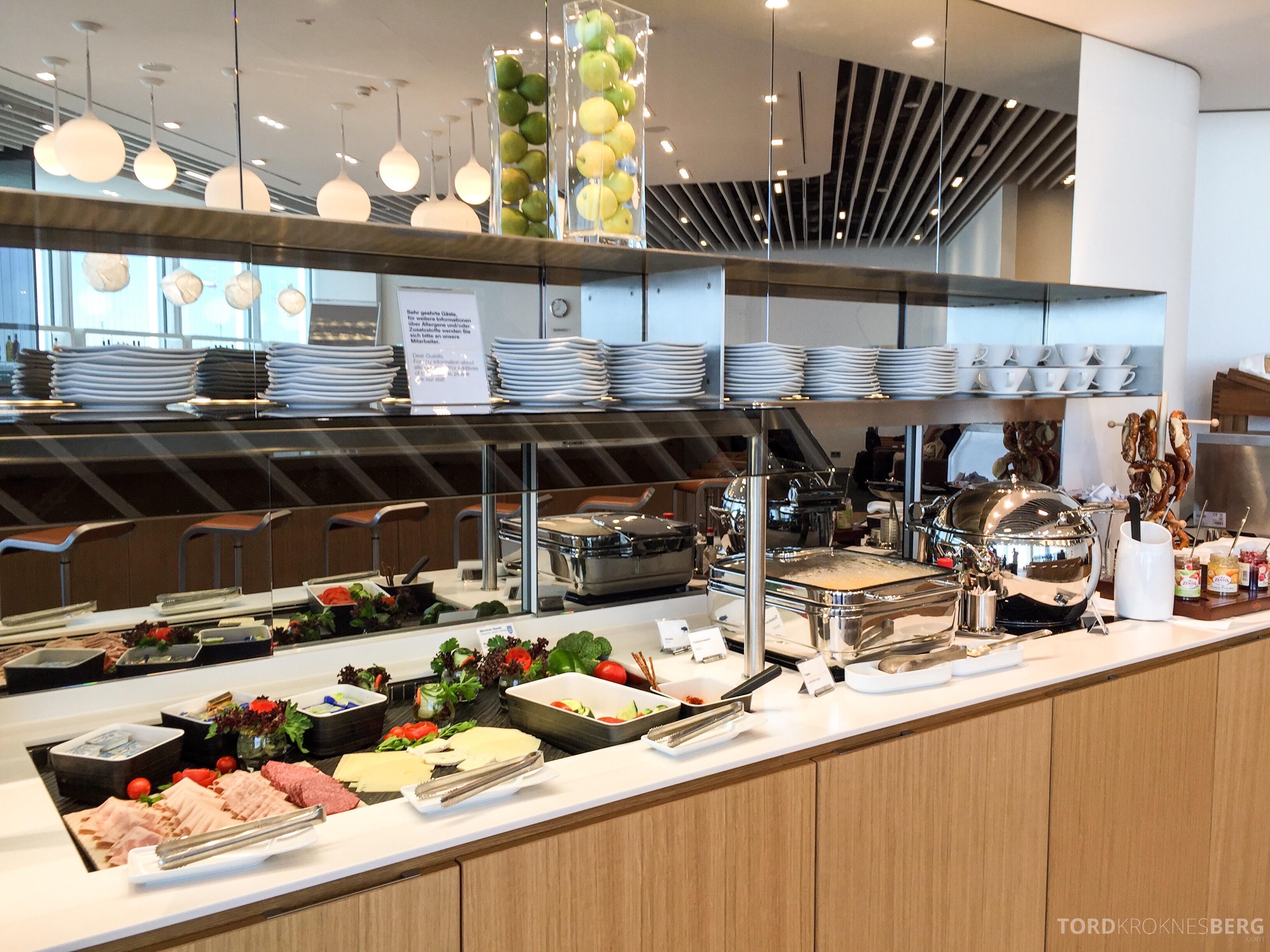 Lufthansa Senator Lounge München buffet