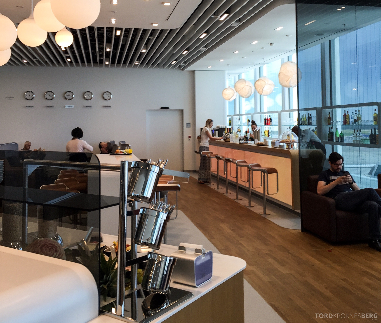 Lufthansa Senator Lounge München buffet og bar