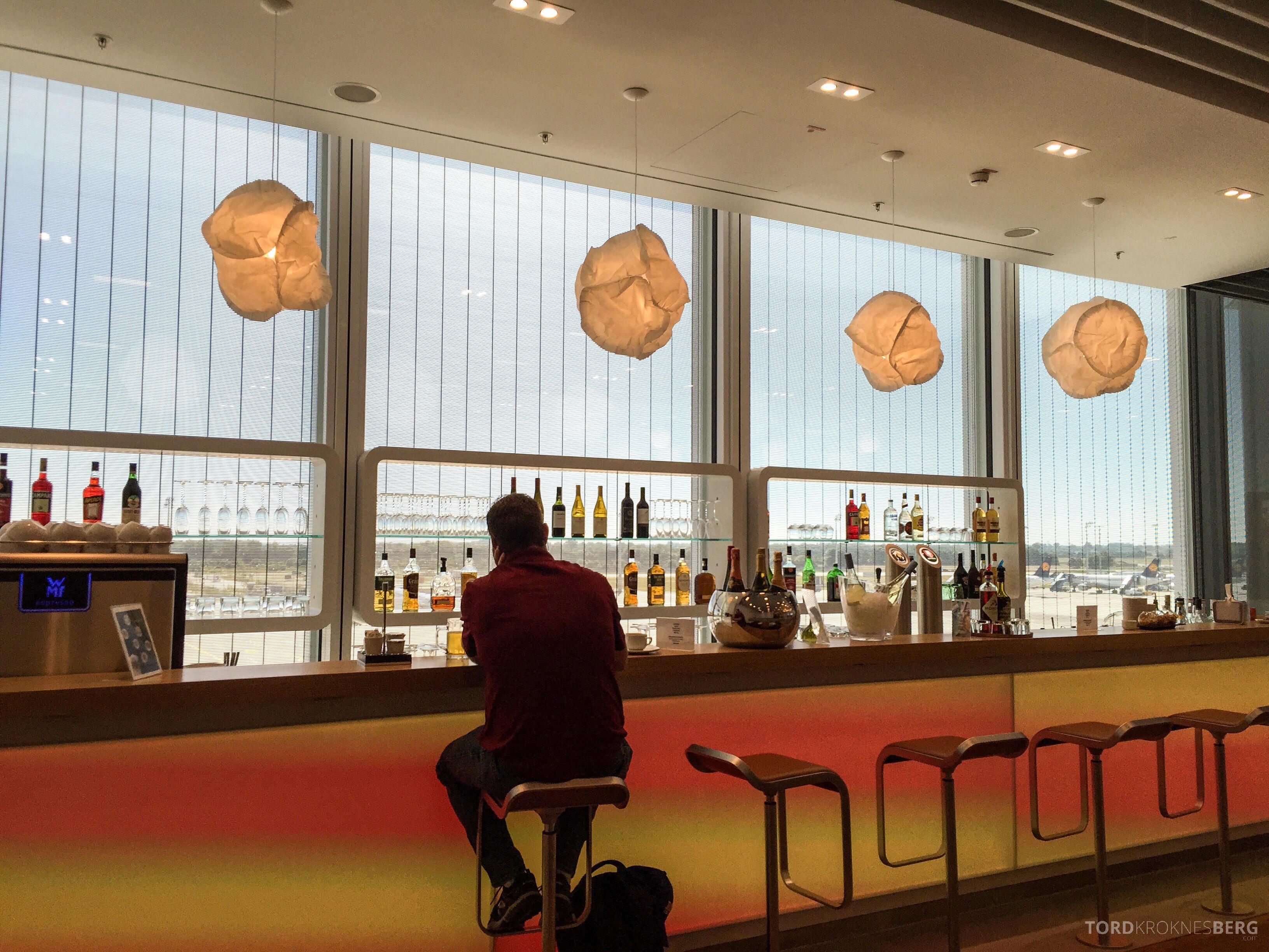 Lufthansa Senator Lounge München bar