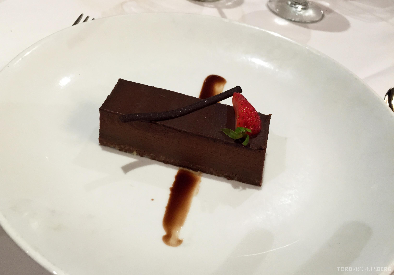 Sjokoladepannacotta til dessert.