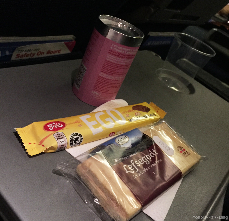 SAS Plus Trondheim Oslo snacks
