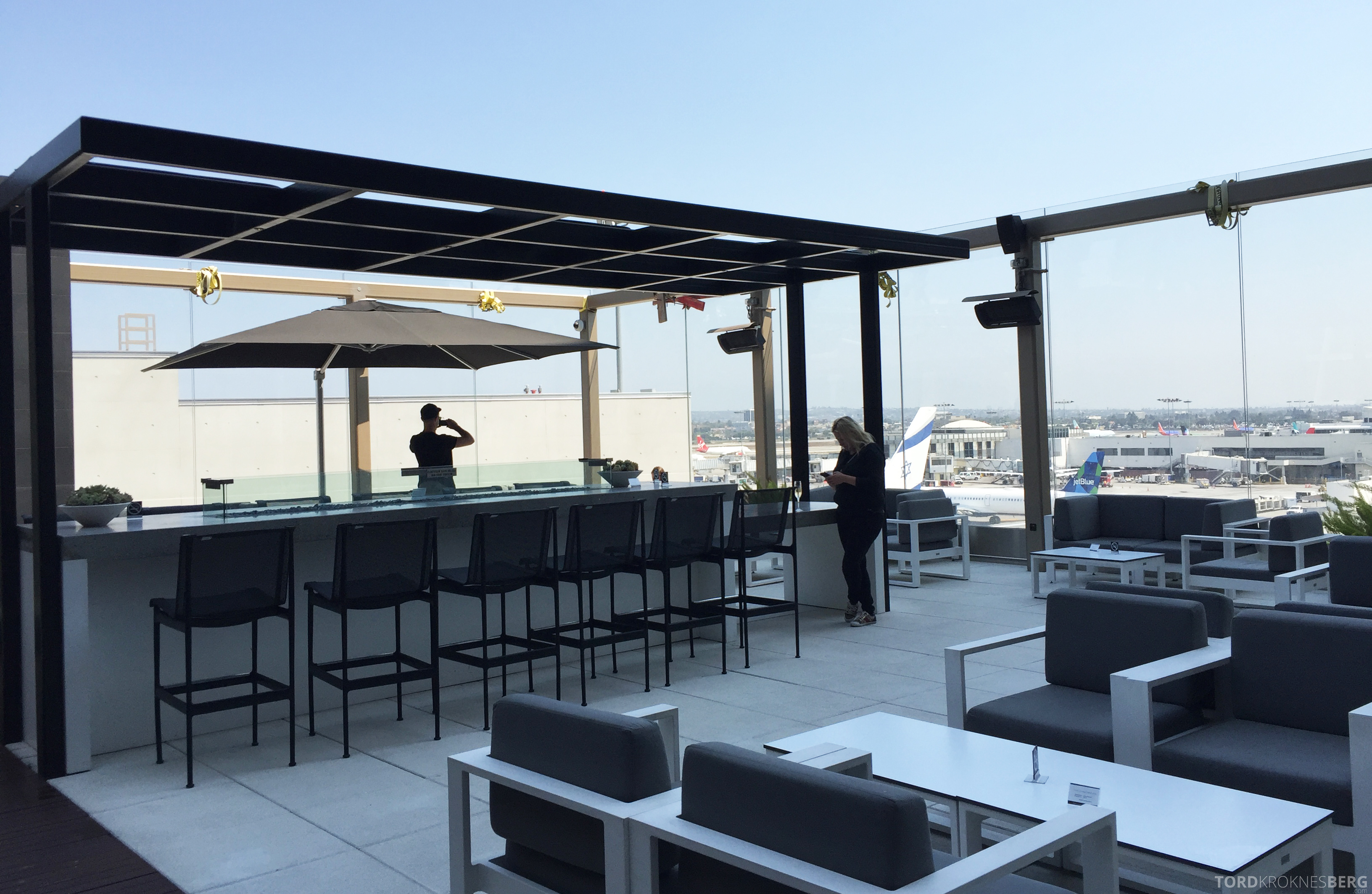 Star Alliance Gold Lounge LAX terrasse