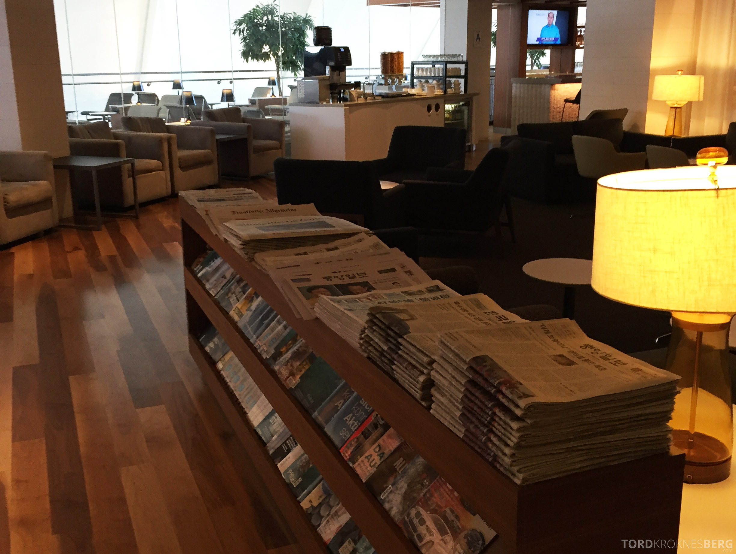 Star Alliance Gold Lounge LAX aviser og magasiner