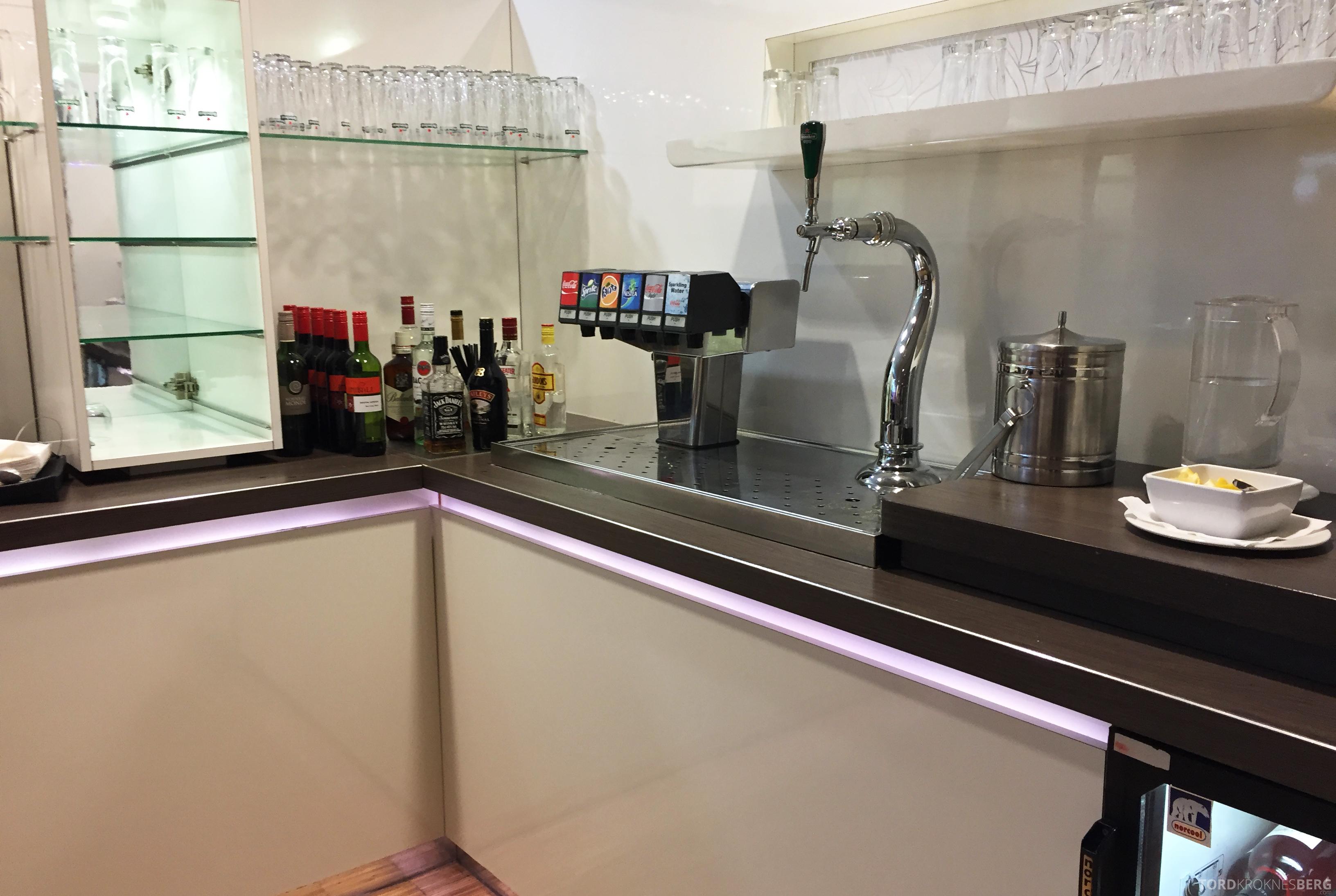 Aspire Lounge Schiphol Amsterdam brus og øl