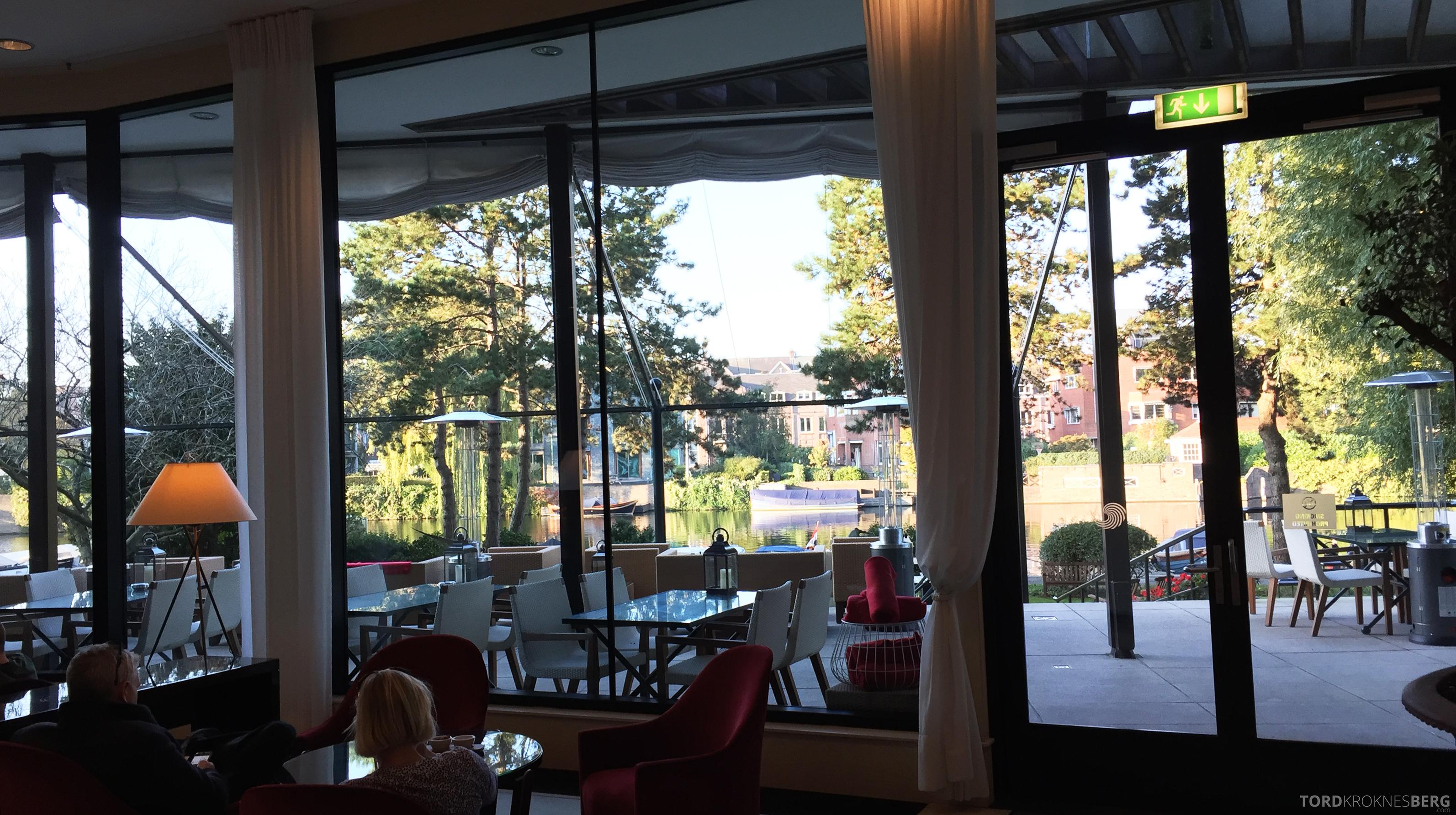 Hilton Amsterdam utsikt mot kanalen