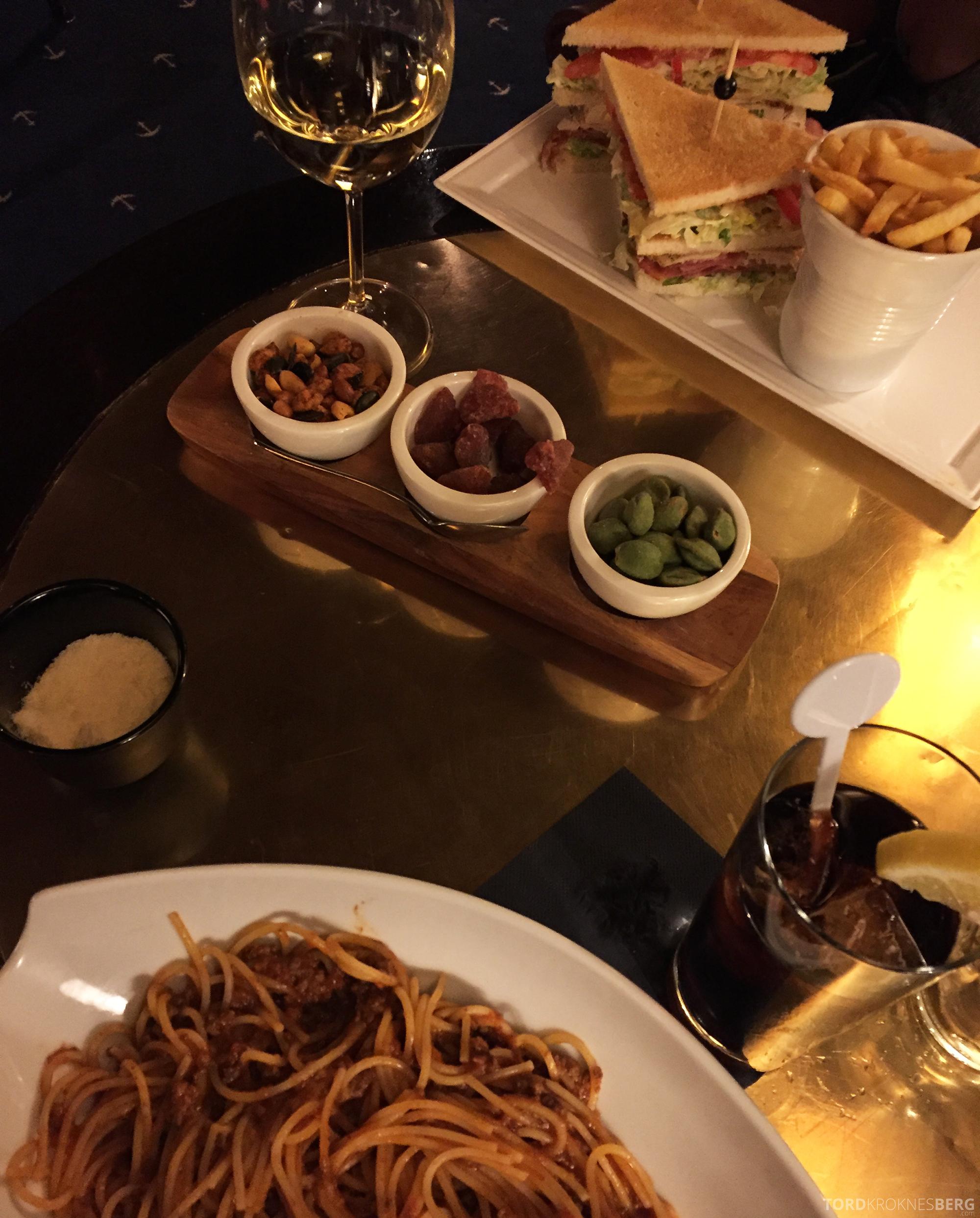Hilton Amsterdam middag bar