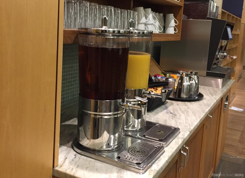 SAS Gold Lounge København juice
