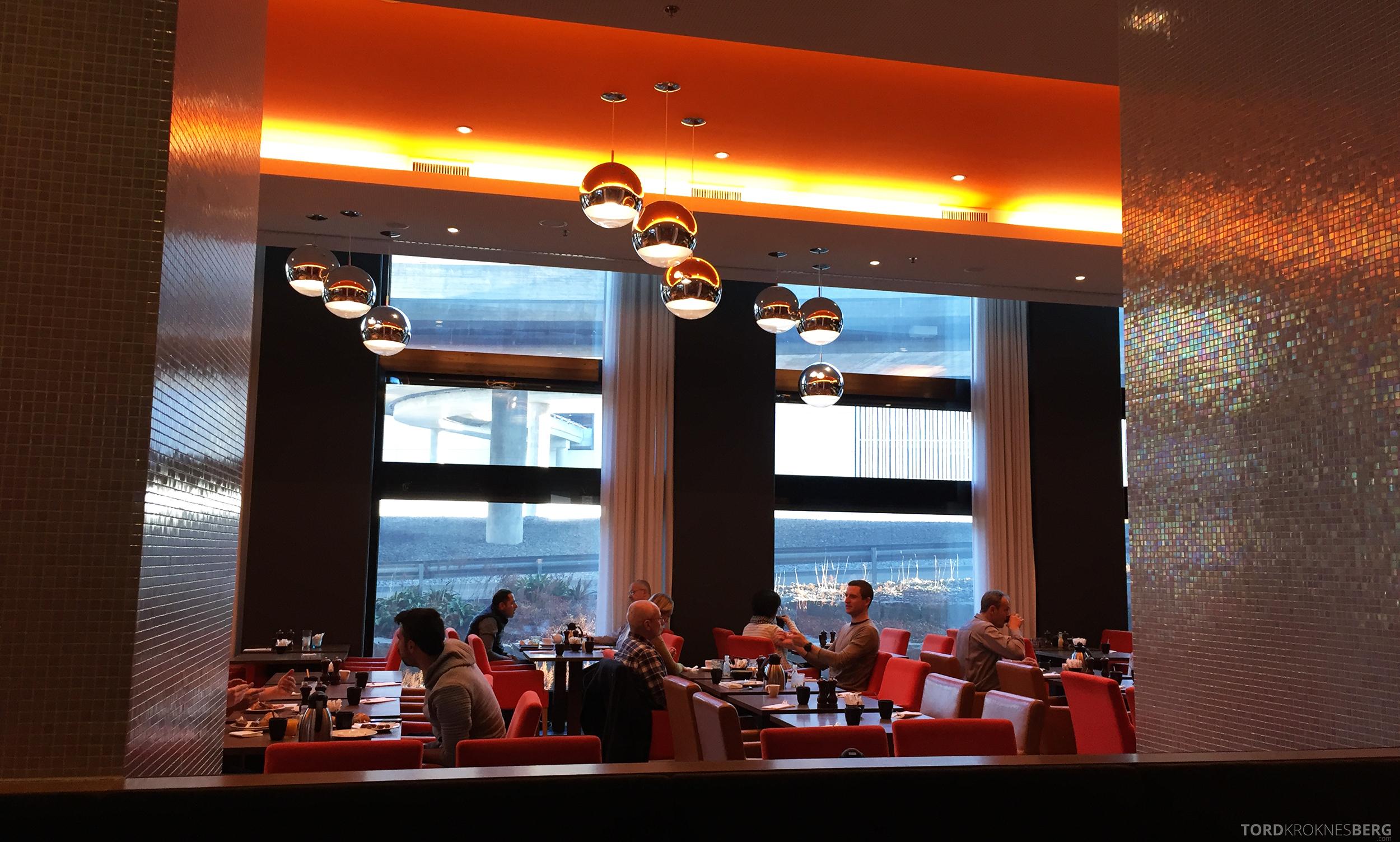 Radisson Blu Zurich Airport Hotel frokostrestaurant