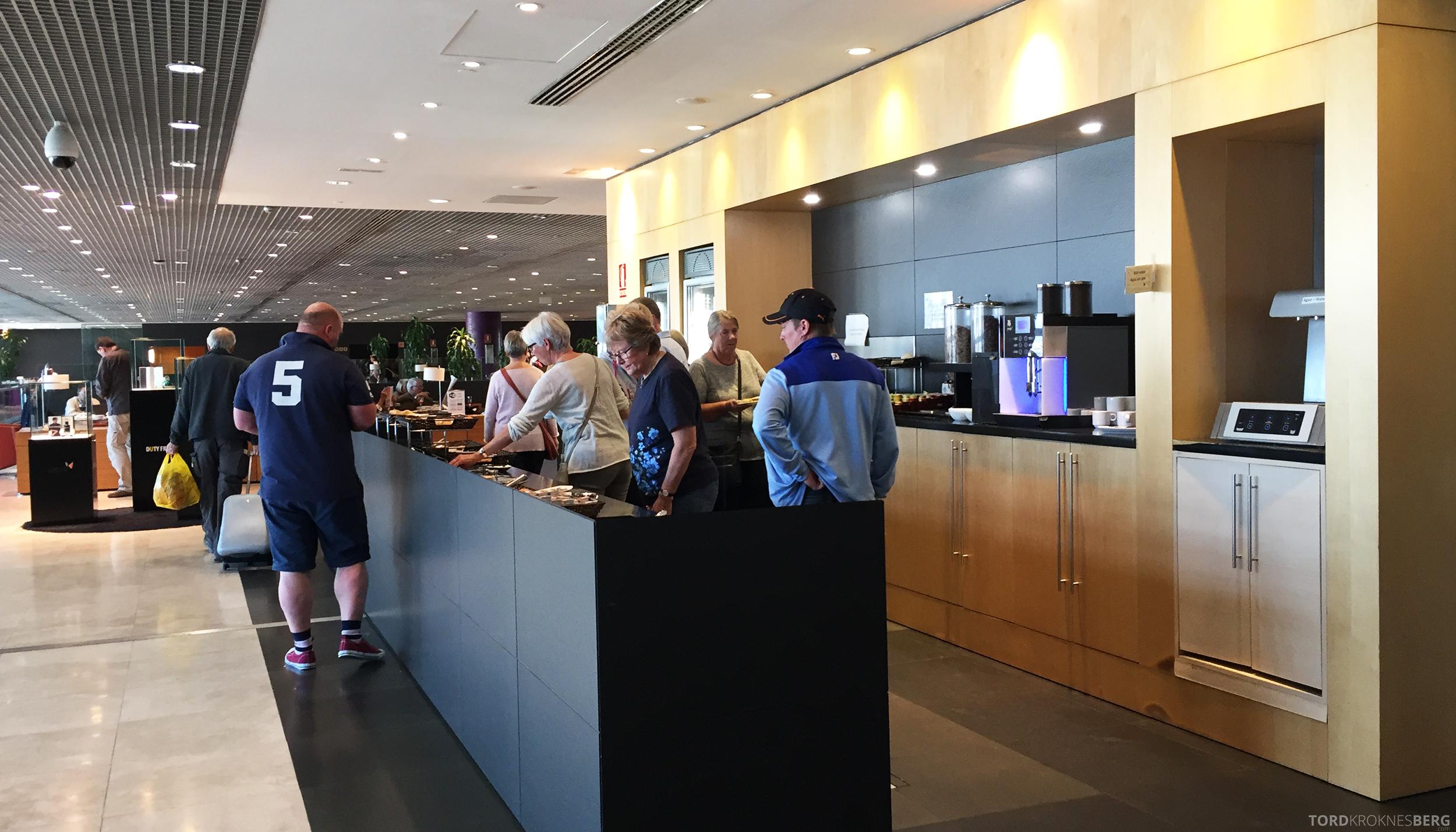 Sala VIP Lounge Malaga buffet