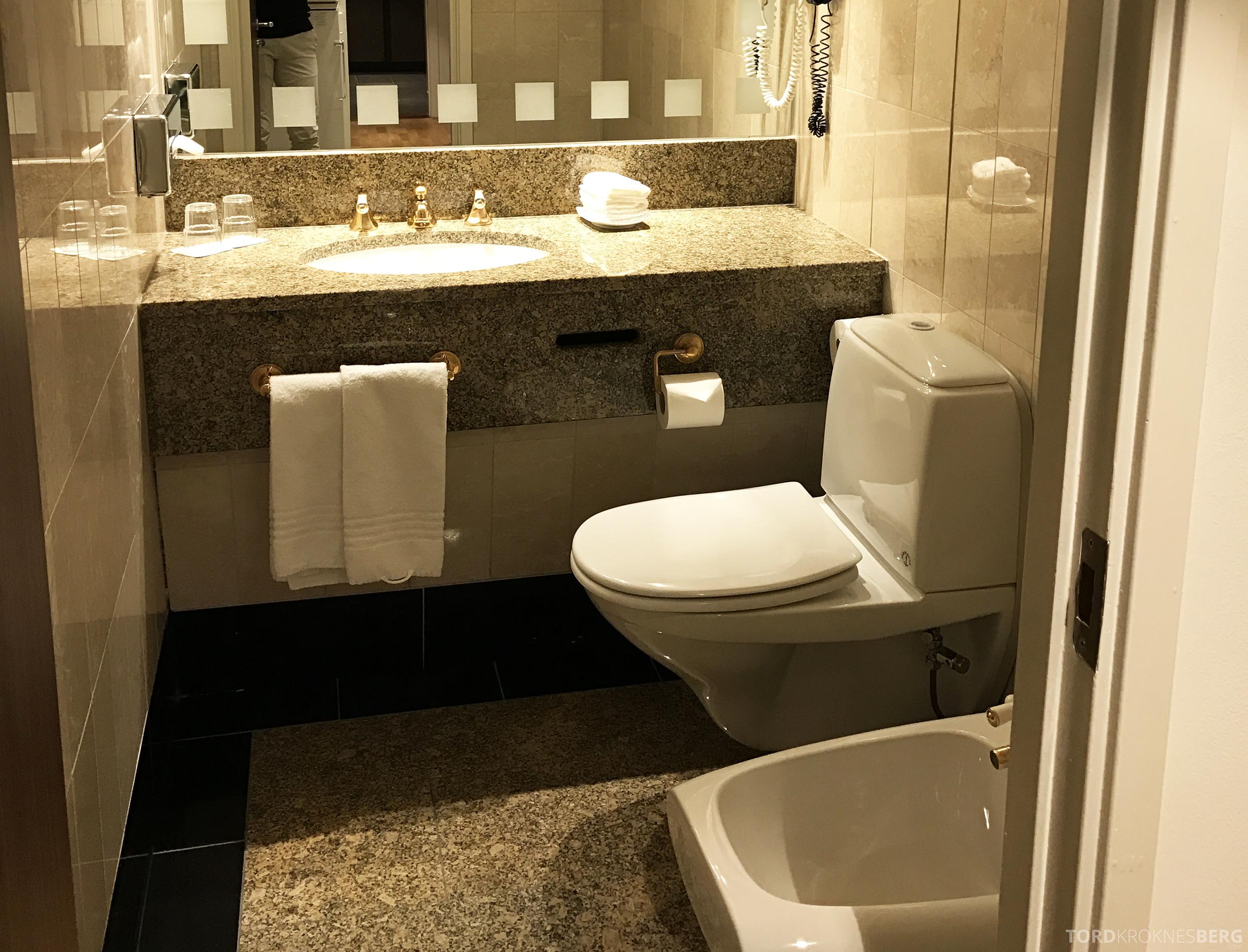 Radisson Blu Scandinavia Hotel suite toalett