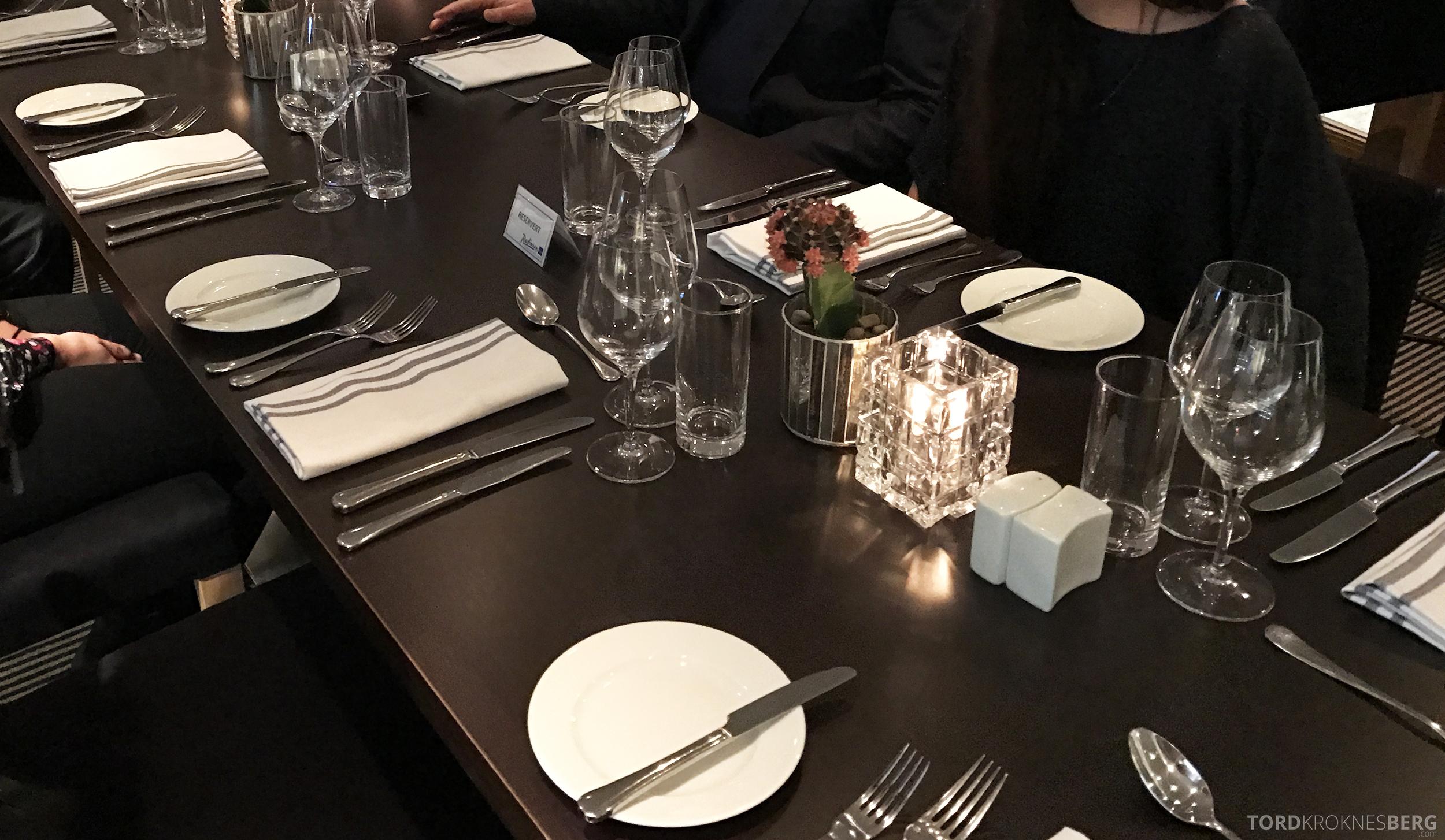 Restaurant Enzo Radisson Blu Oslo bord