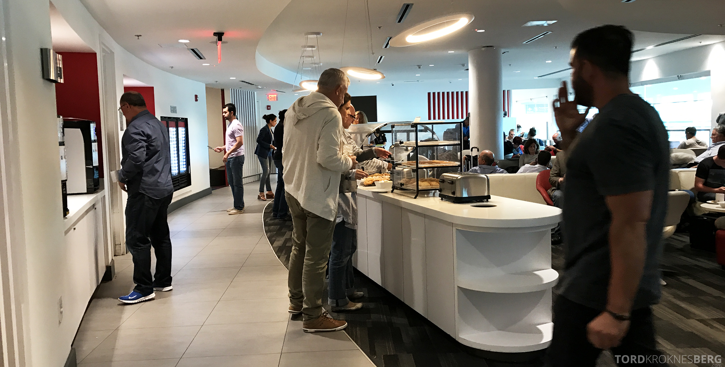 Avianca VIP Lounge Miami oversikt buffet