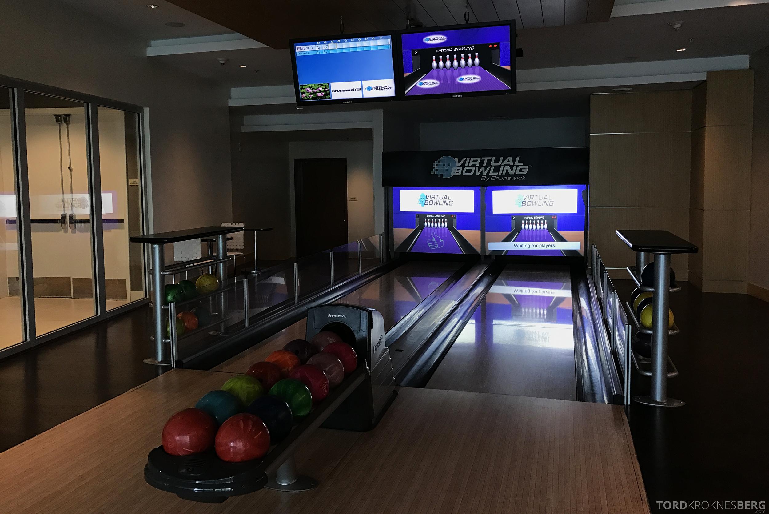 JW Marriott Marquis Miami bowling