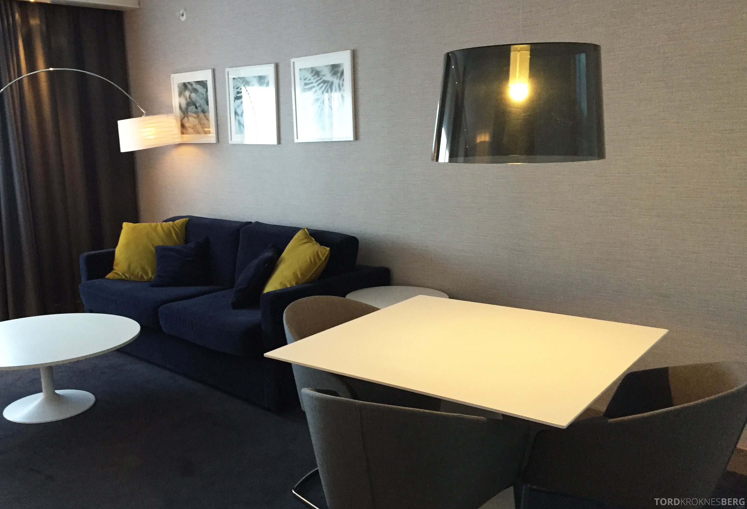 Radisson Blu Oslo Airport Hotel Junior Suite bord