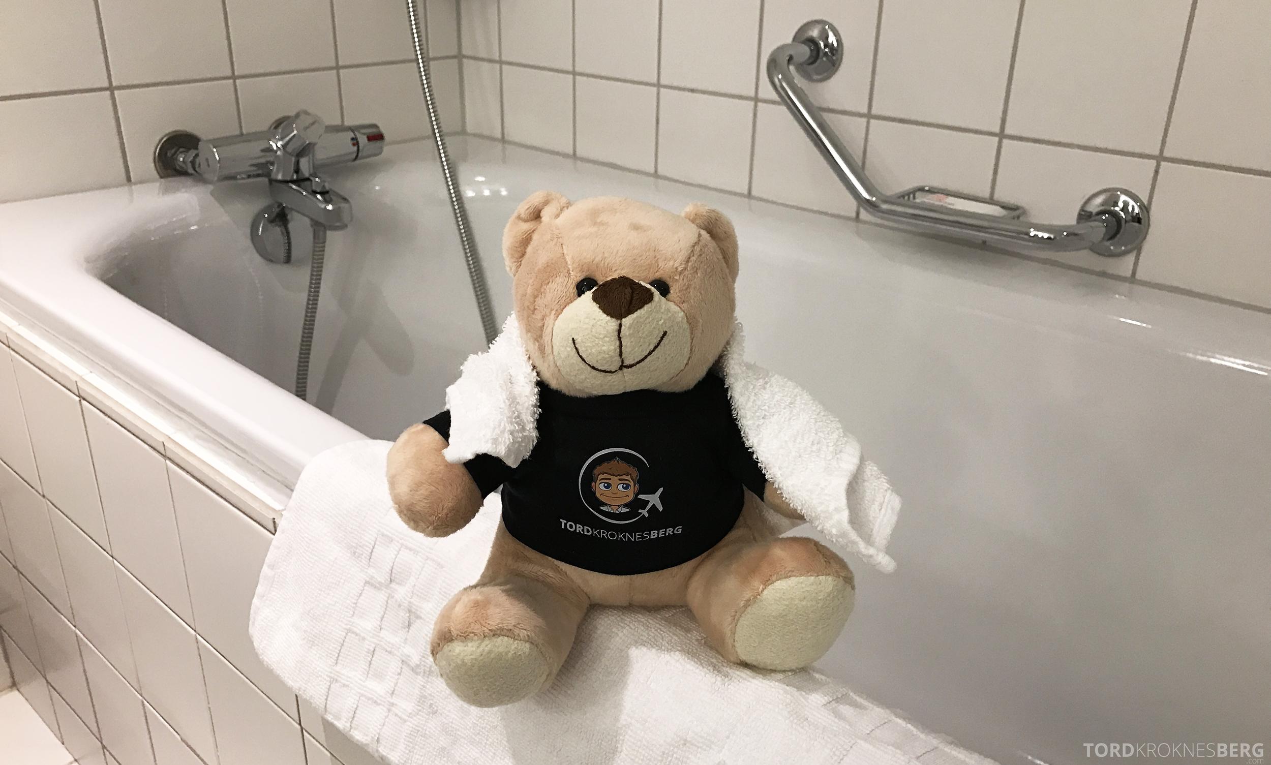 Radisson Blu Oslo Airport Hotel suite reisefølget badekar