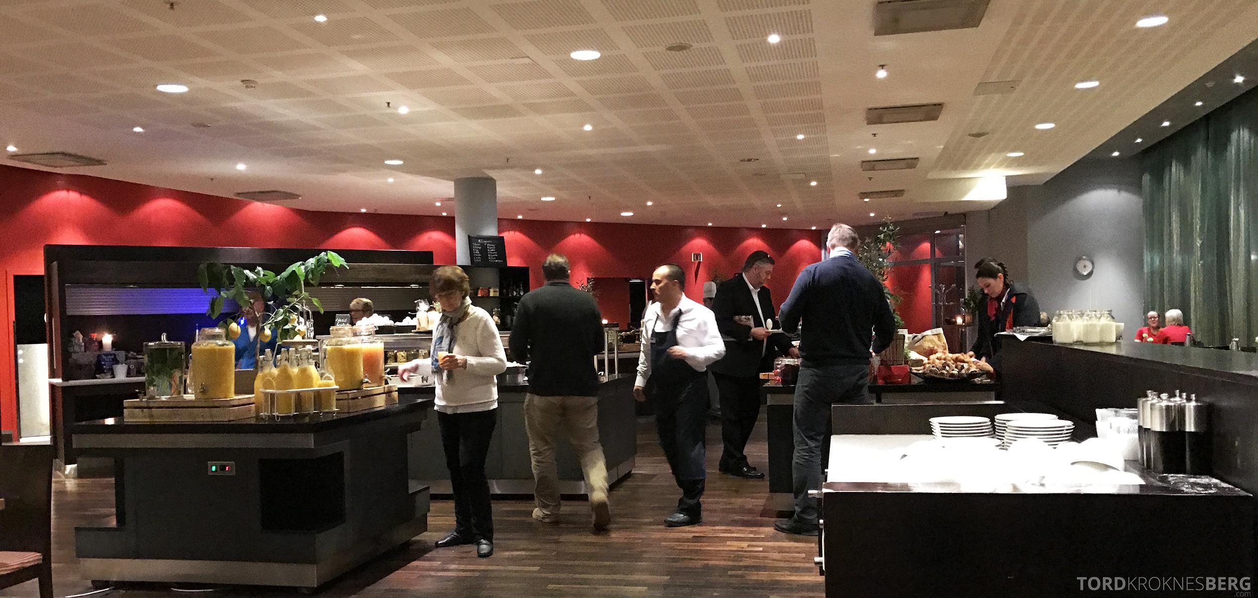Radisson Blu Oslo Airport Hotel suite frokost
