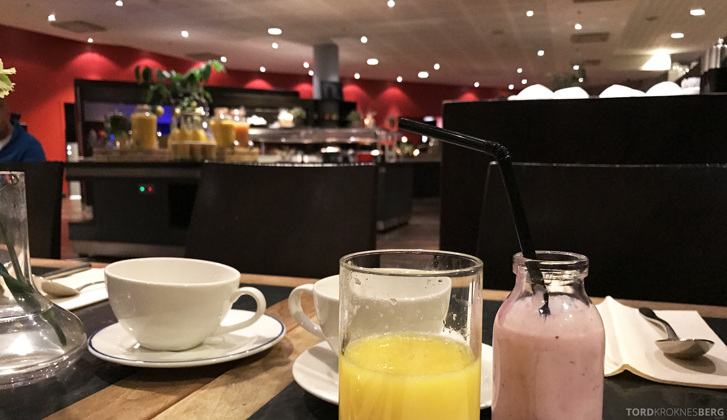 Radisson Blu Oslo Airport Hotel suite utsikt frokost
