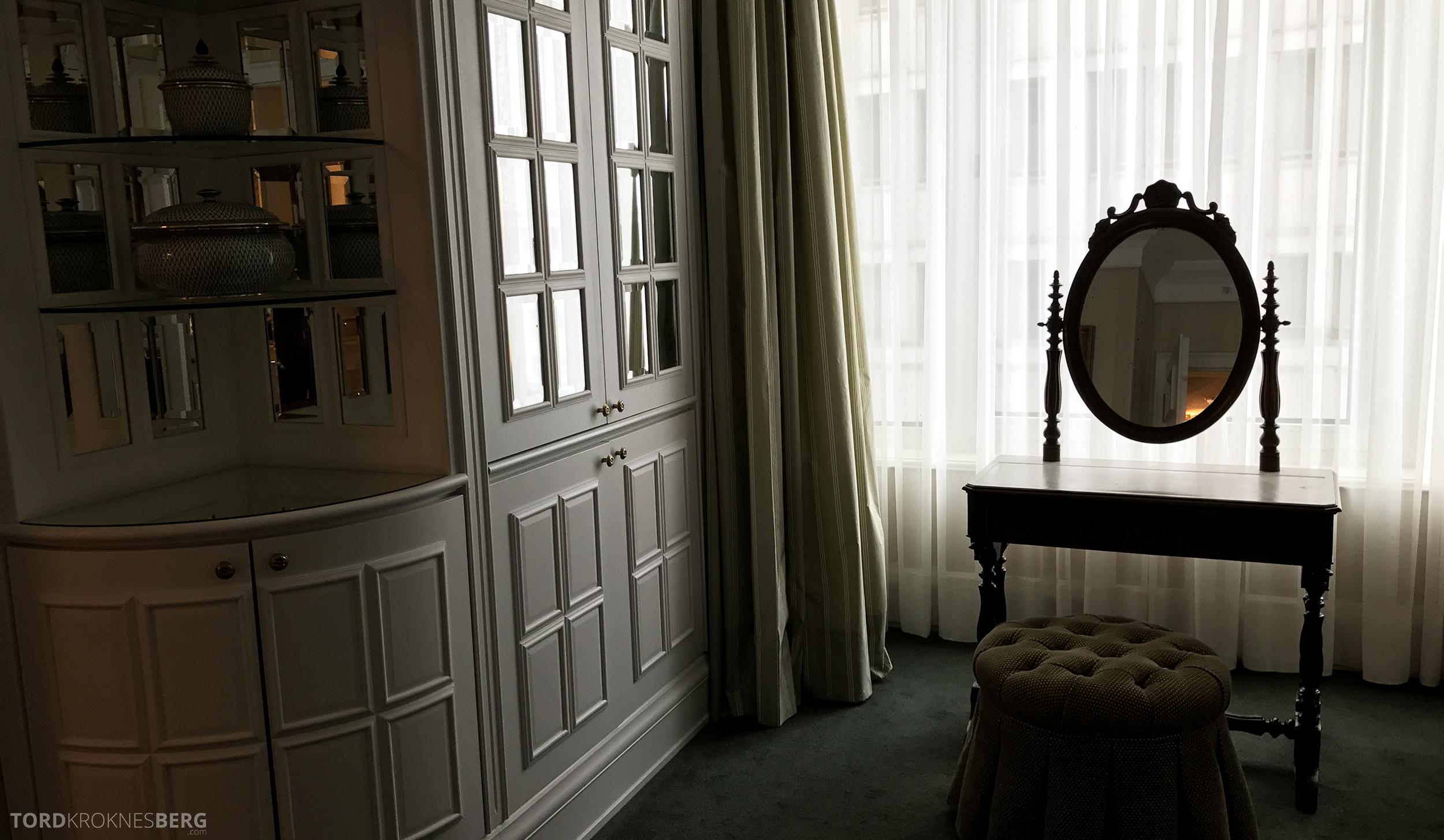 Ritz-Carlton Berlin Presidential Suite speil