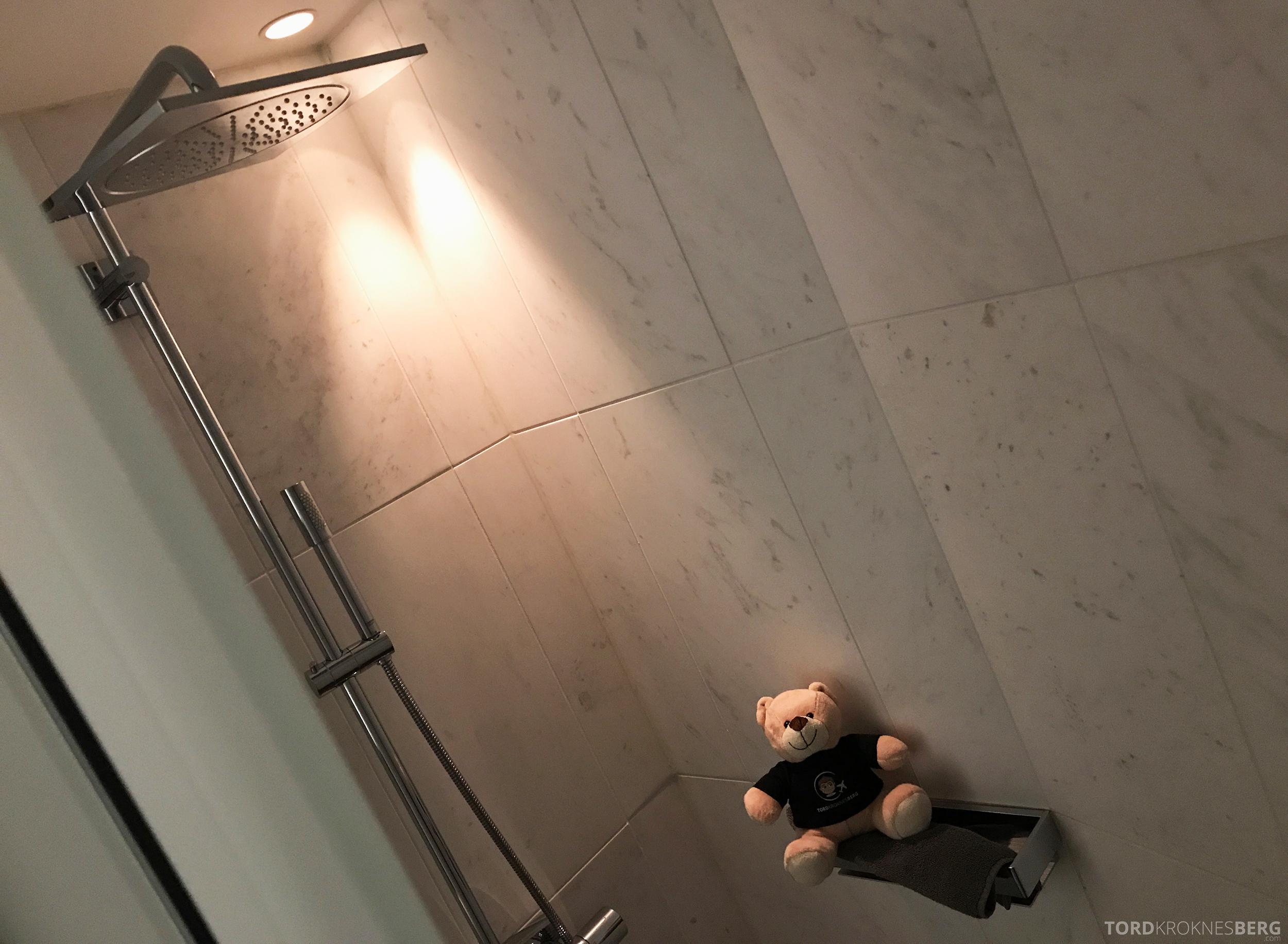 The Thief Tjuvholmen reisefølget dusj