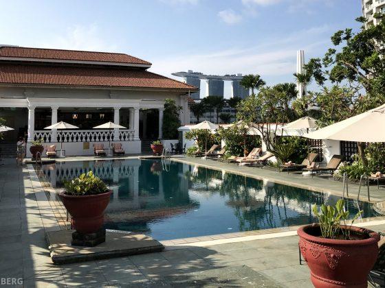 Raffles Hotel Singapore Pool Marina Bay Sands