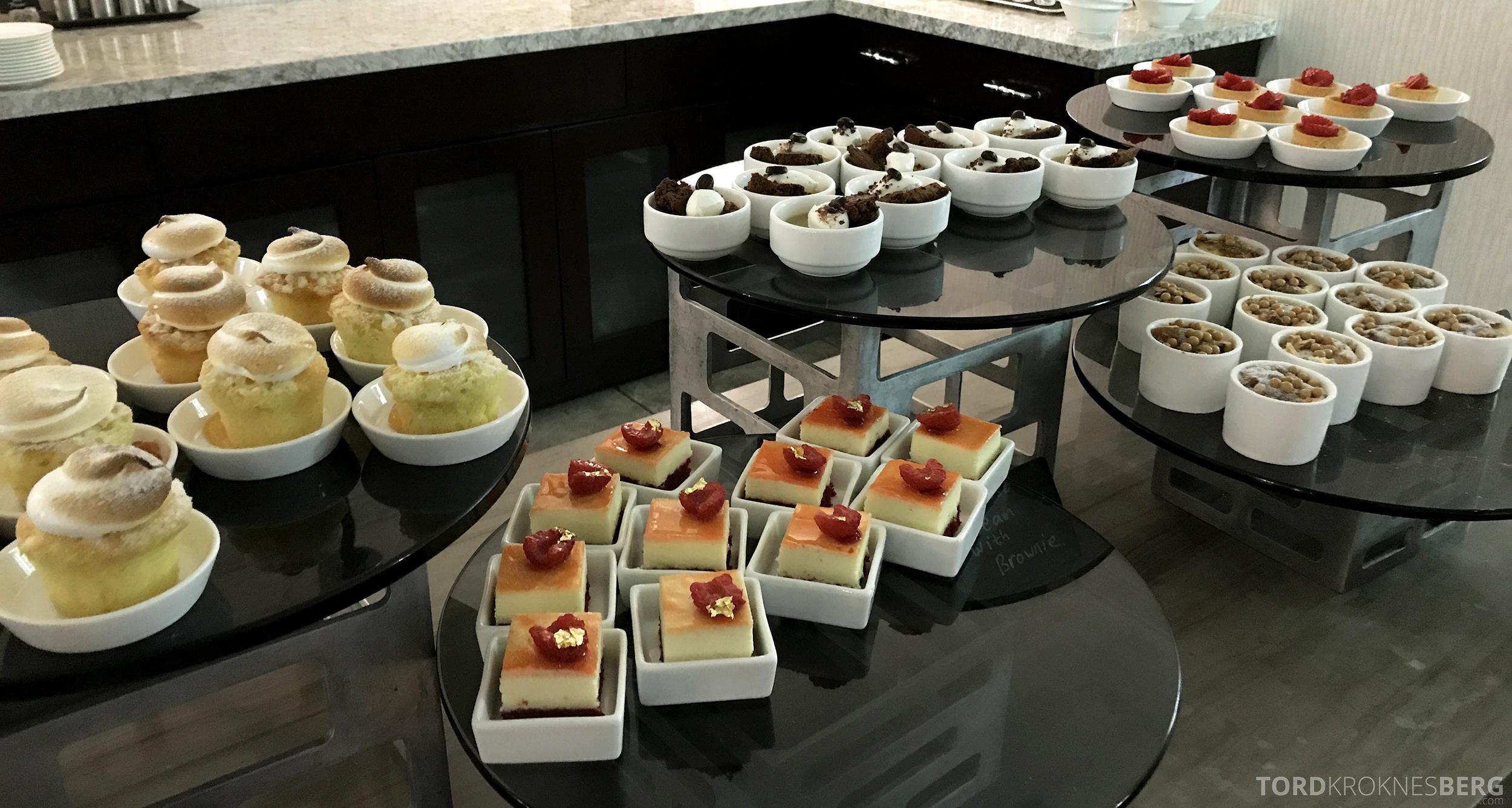 Ritz-Carlton San Francisco Hotel Club Lounge desserter