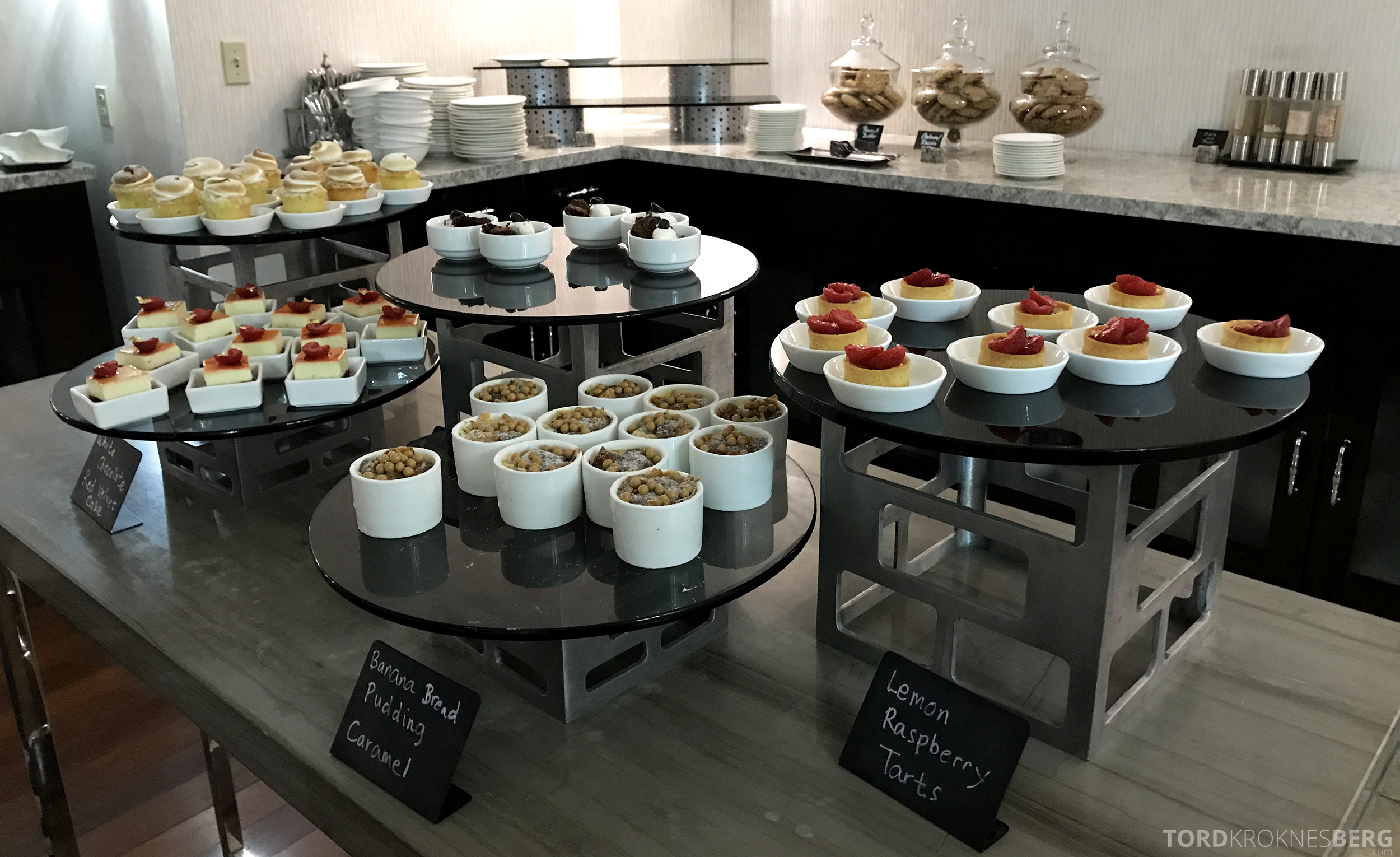 Ritz-Carlton San Francisco Hotel Club Lounge dessert