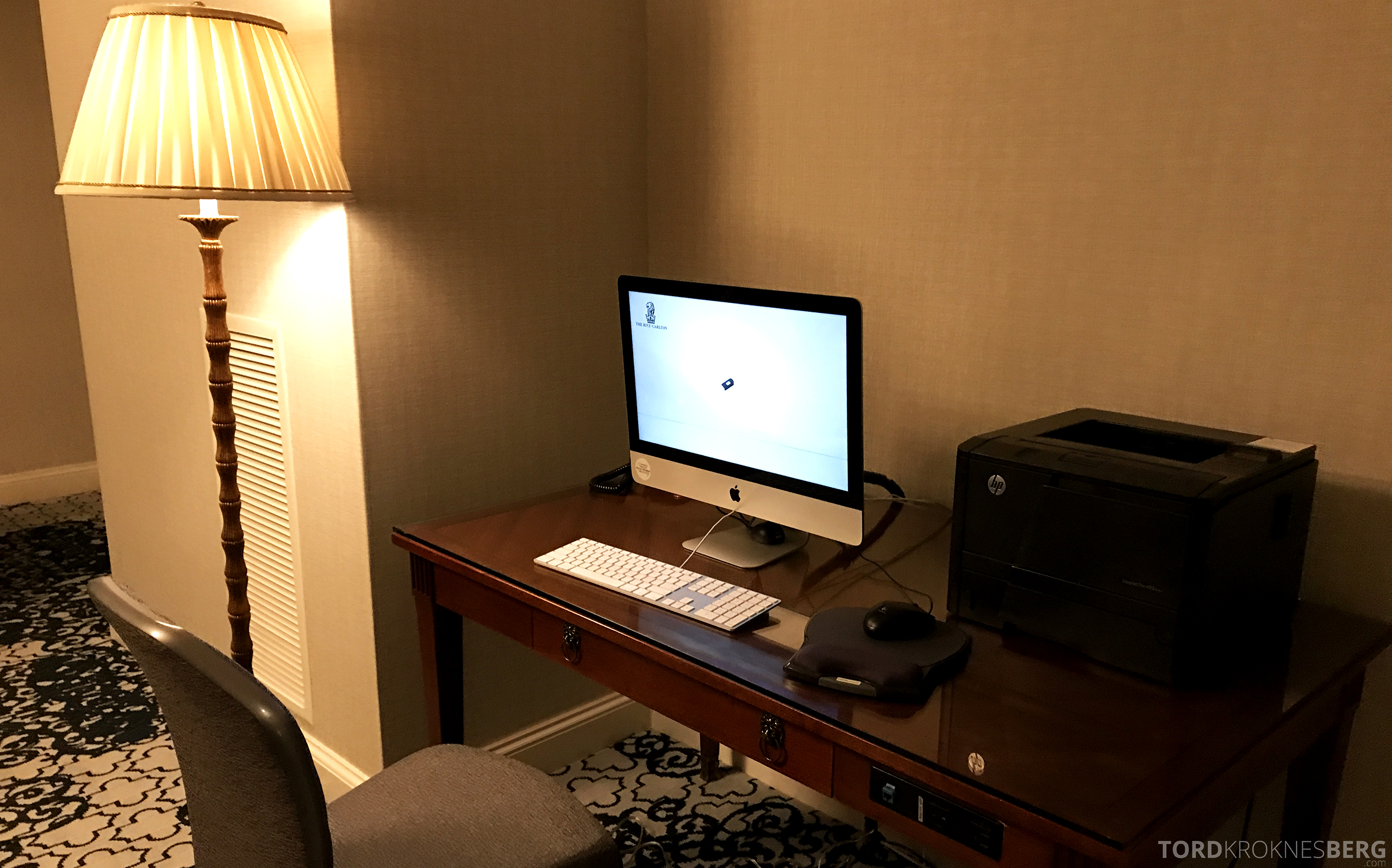 Ritz-Carlton San Francisco Hotel Club Lounge Mac