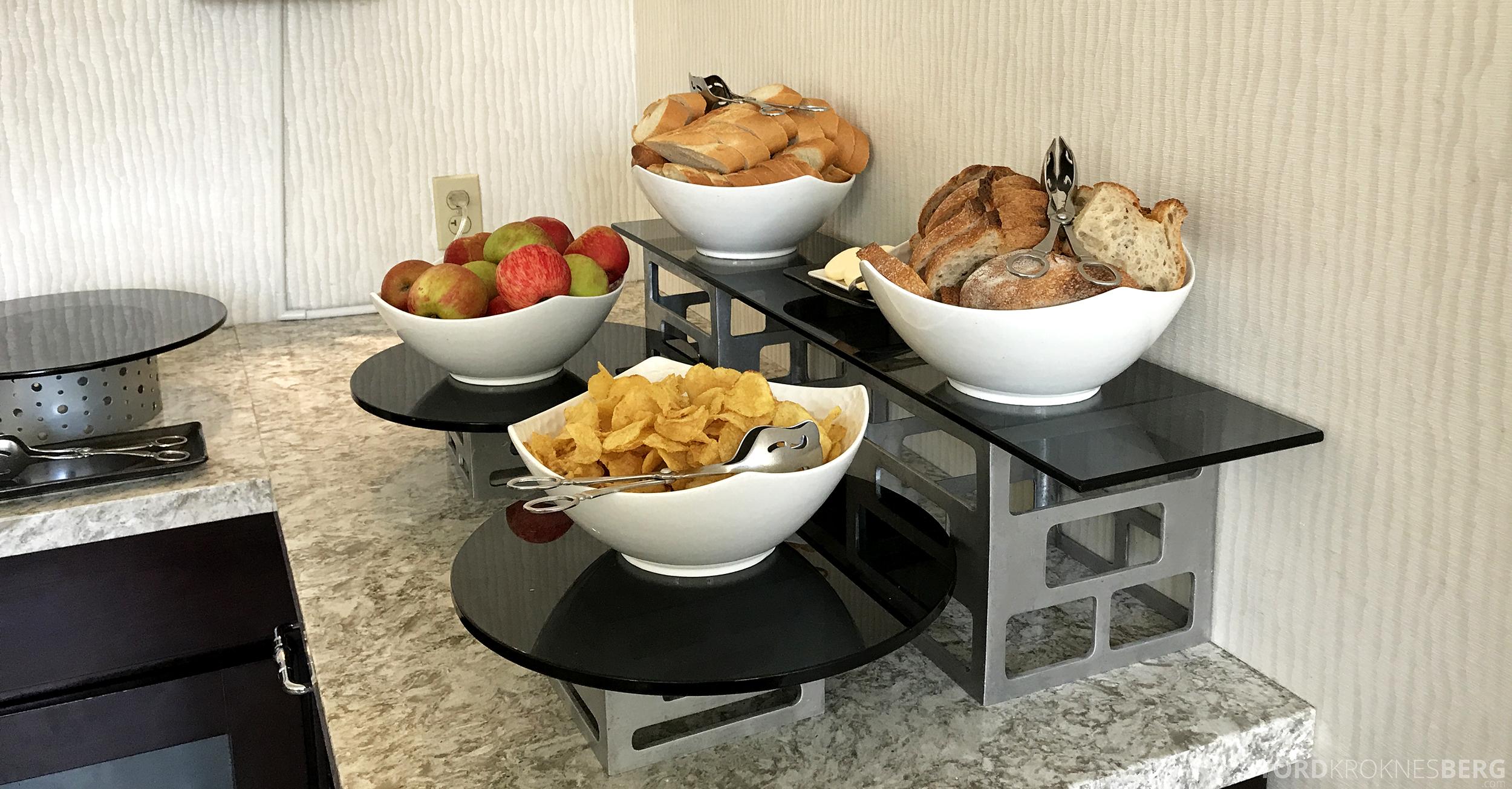 Ritz-Carlton San Francisco Hotel Club Lounge lunch snacks