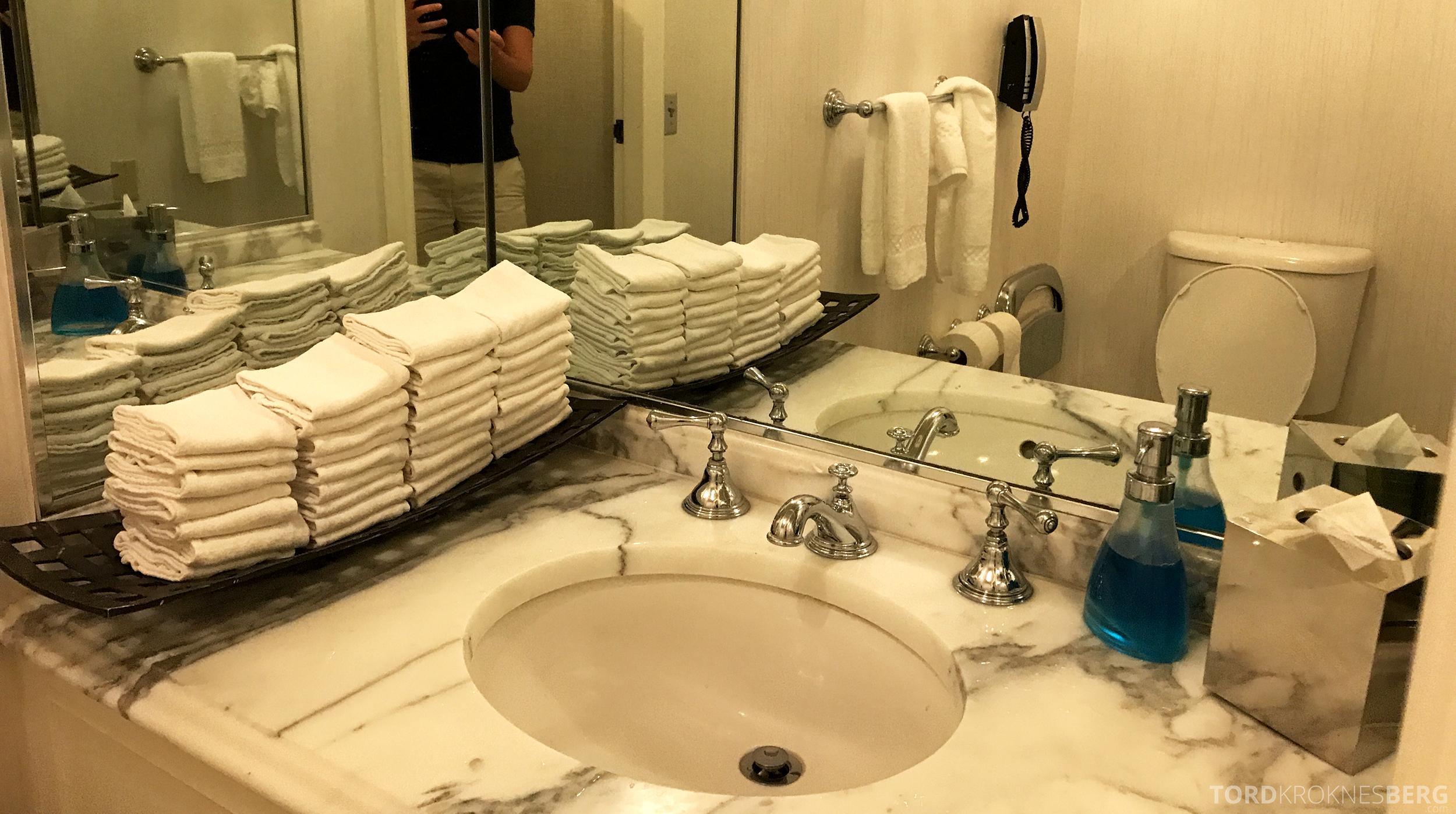 Ritz-Carlton San Francisco Hotel Club Lounge toalett