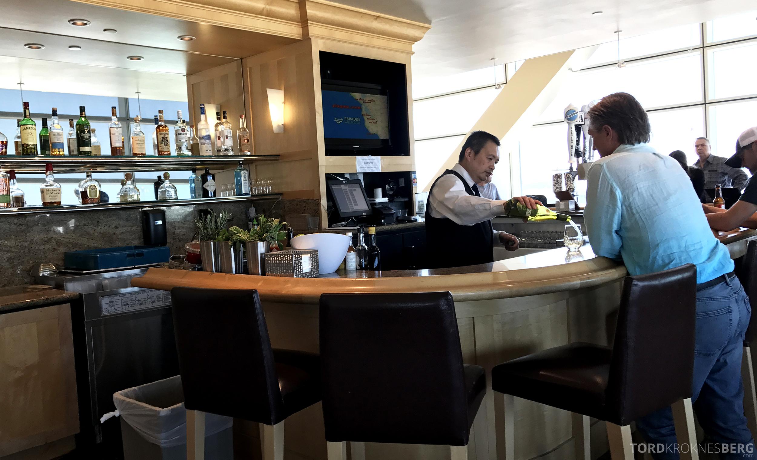 United Club Lounge San Francisco betjent bar