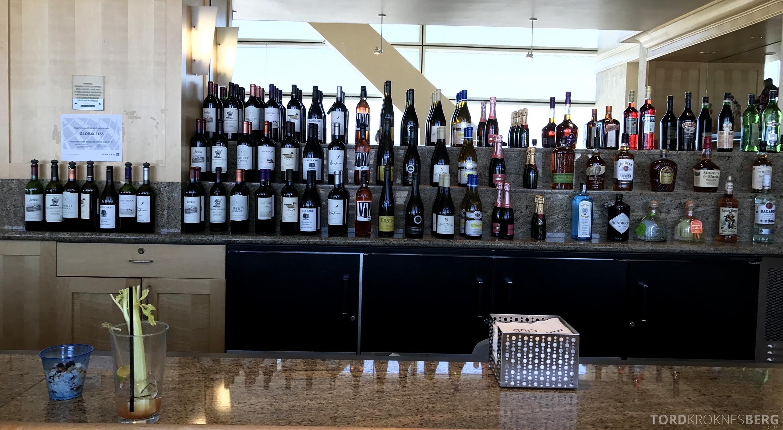 United Club Lounge San Francisco bar