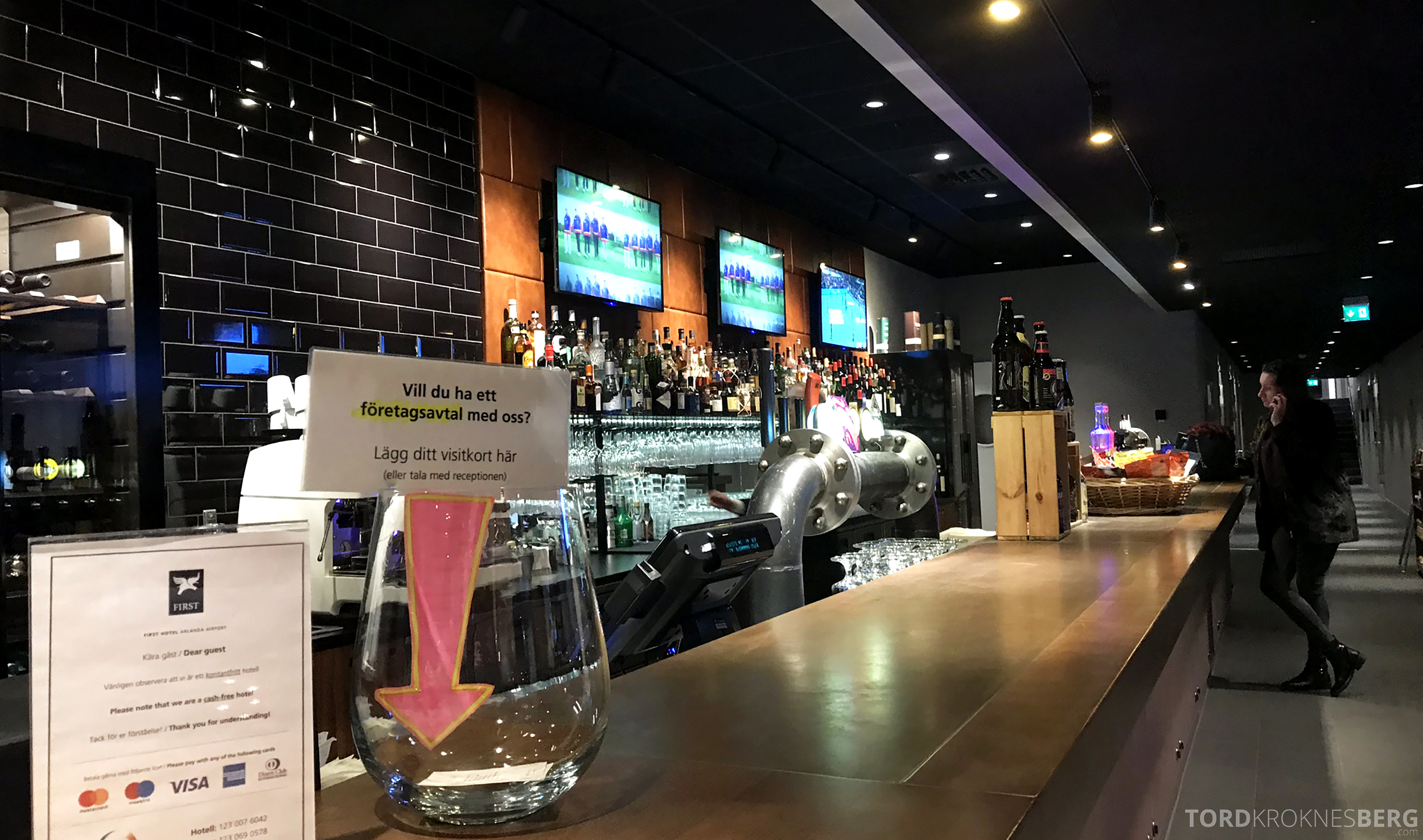 First Hotel Arlanda bar