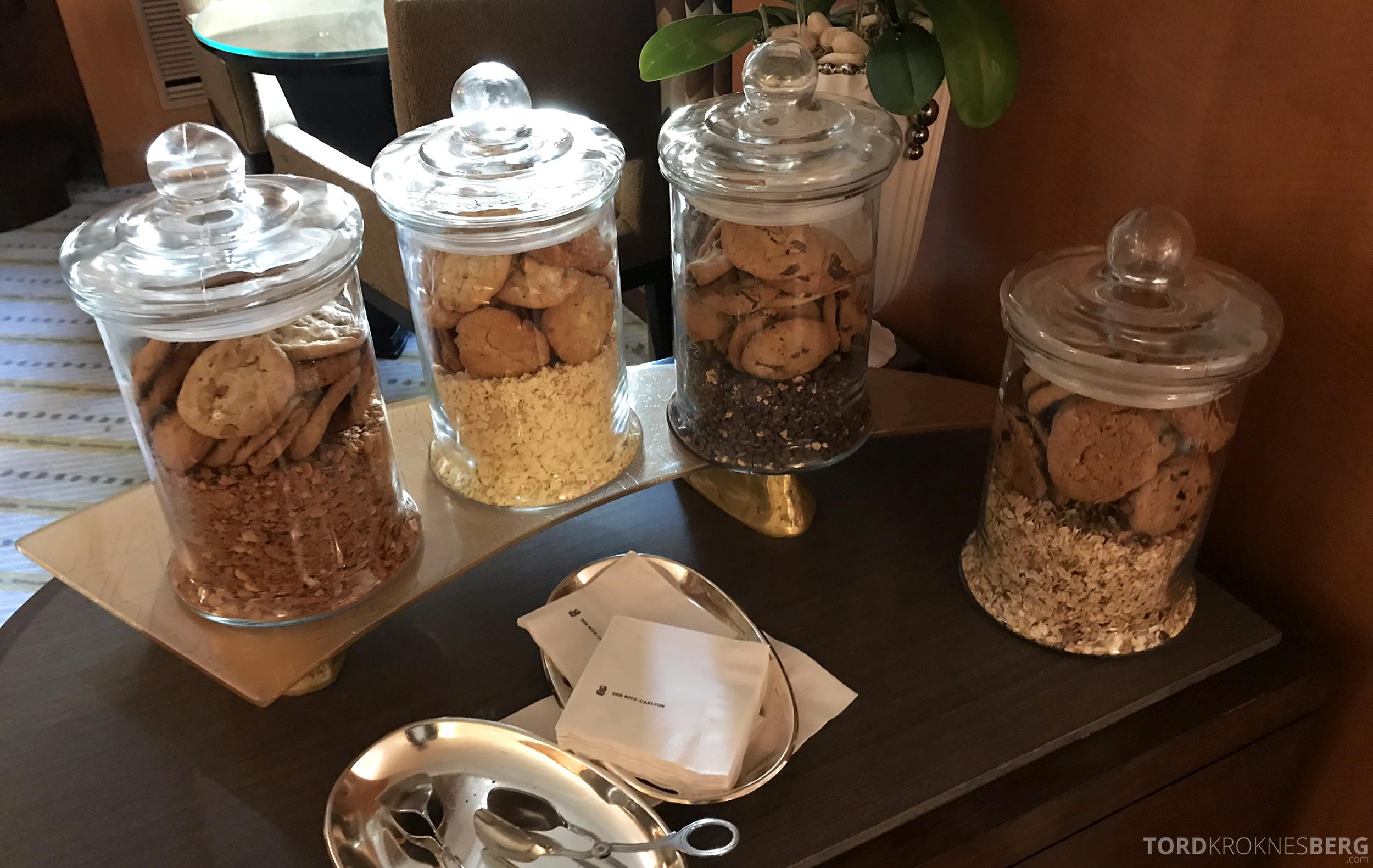 Ritz-Carlton New York Club Lounge cookies