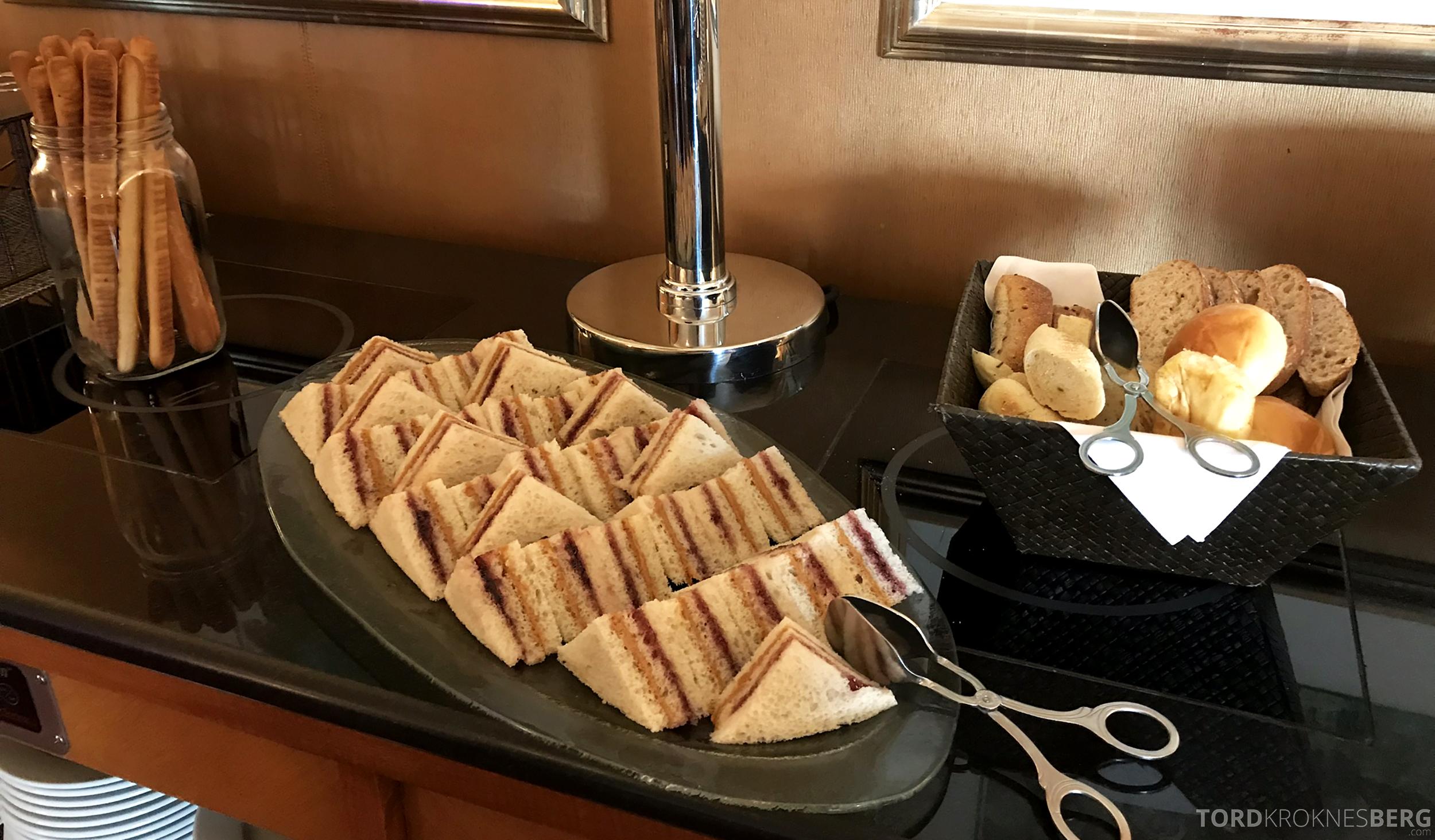 Ritz-Carlton New York Club Lounge lunch