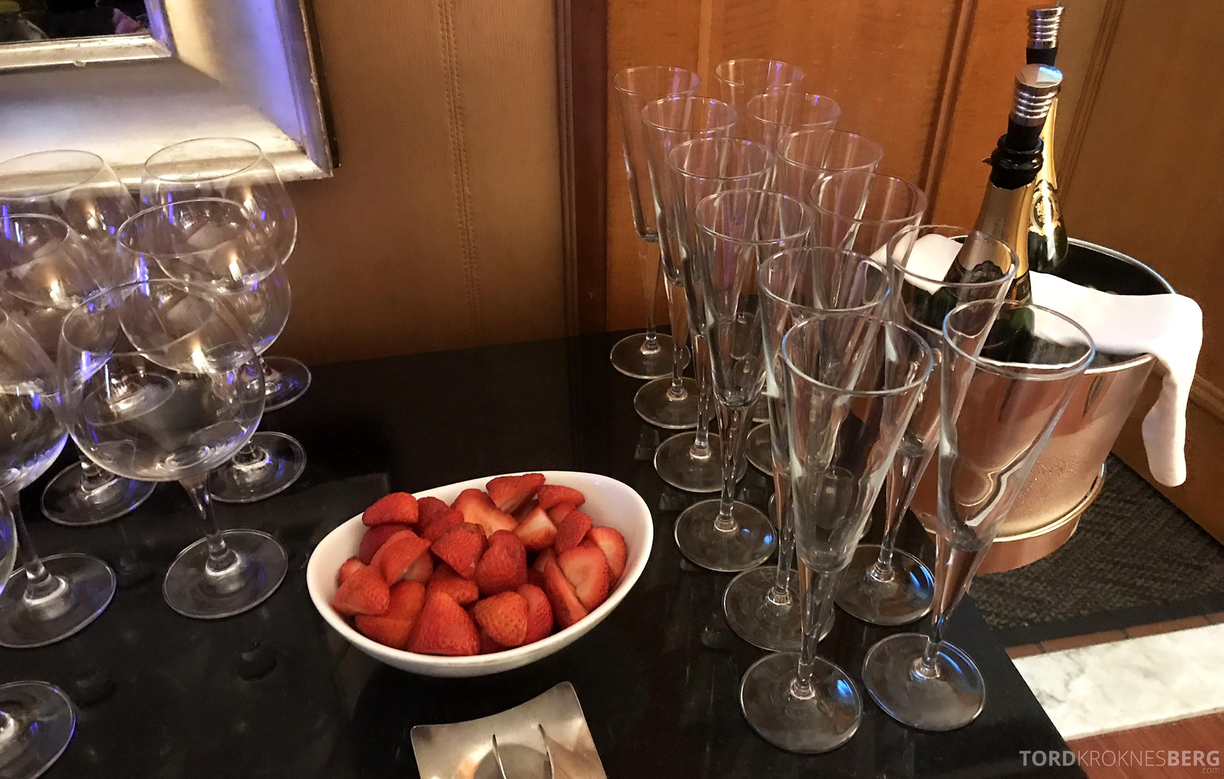 Ritz-Carlton New York Club Lounge champagne
