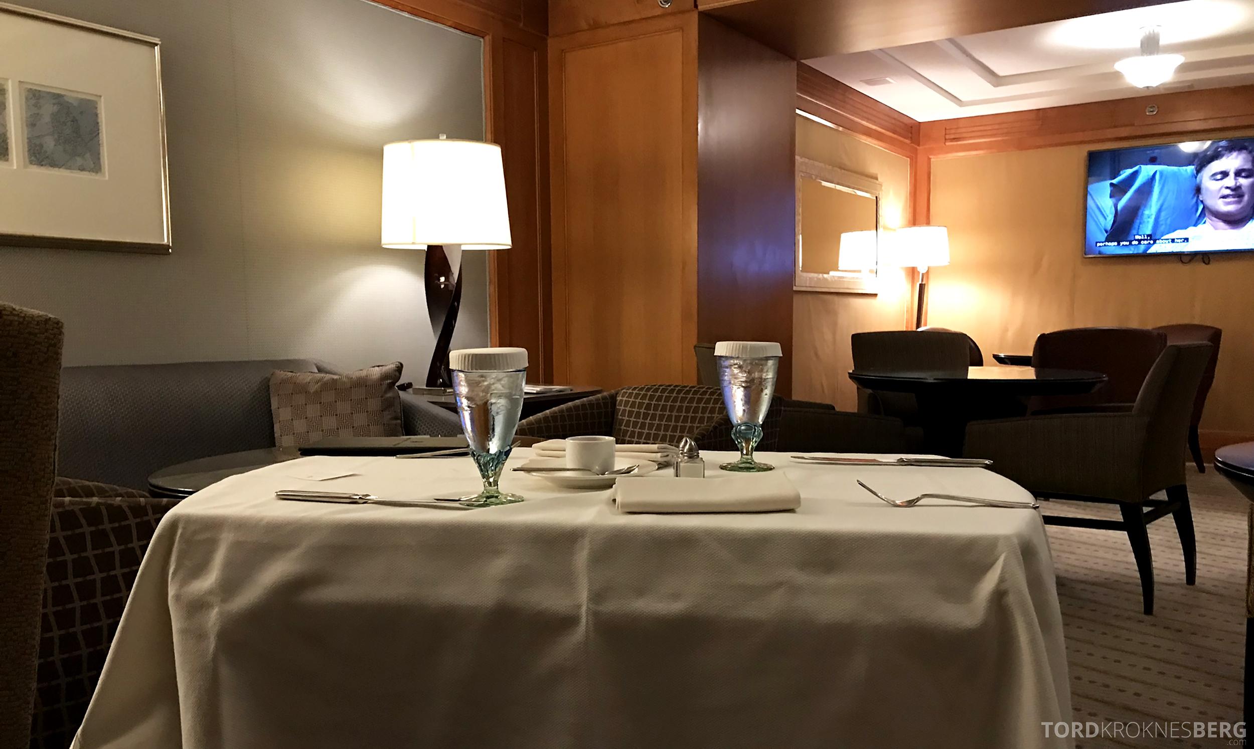 Ritz-Carlton New York Club Lounge room service