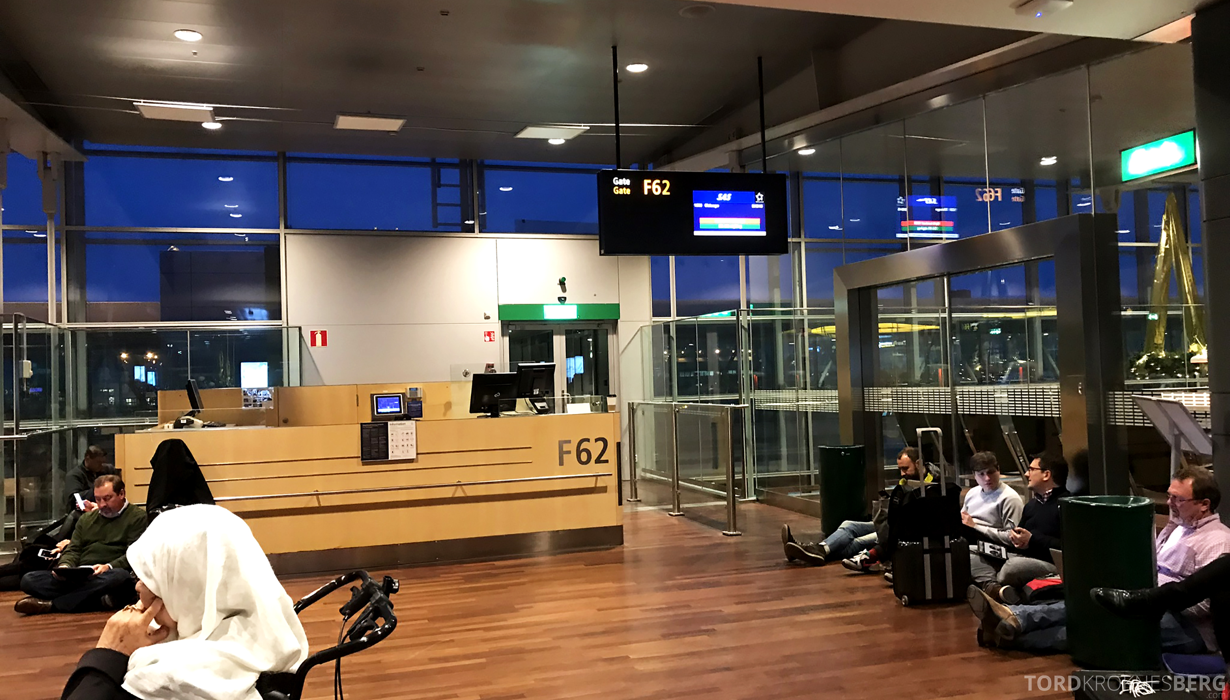 SAS Plus Oslo Stockholm Chicago gate