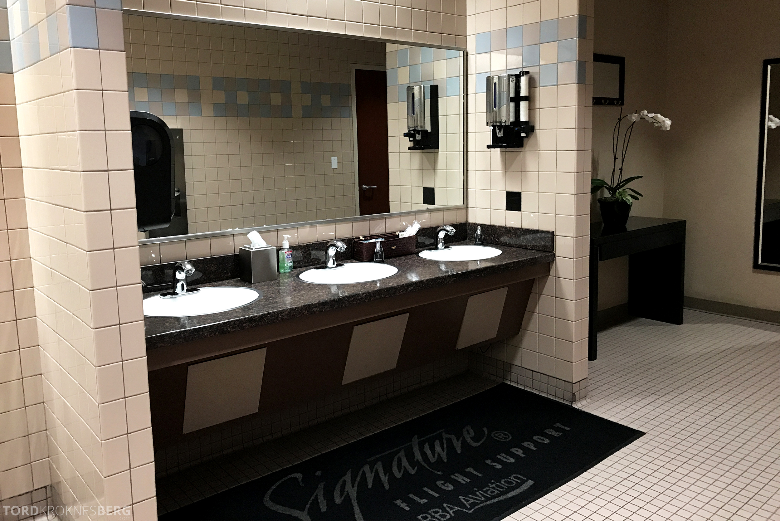 San Francisco Helicopter Tour Executive Terminal toalett