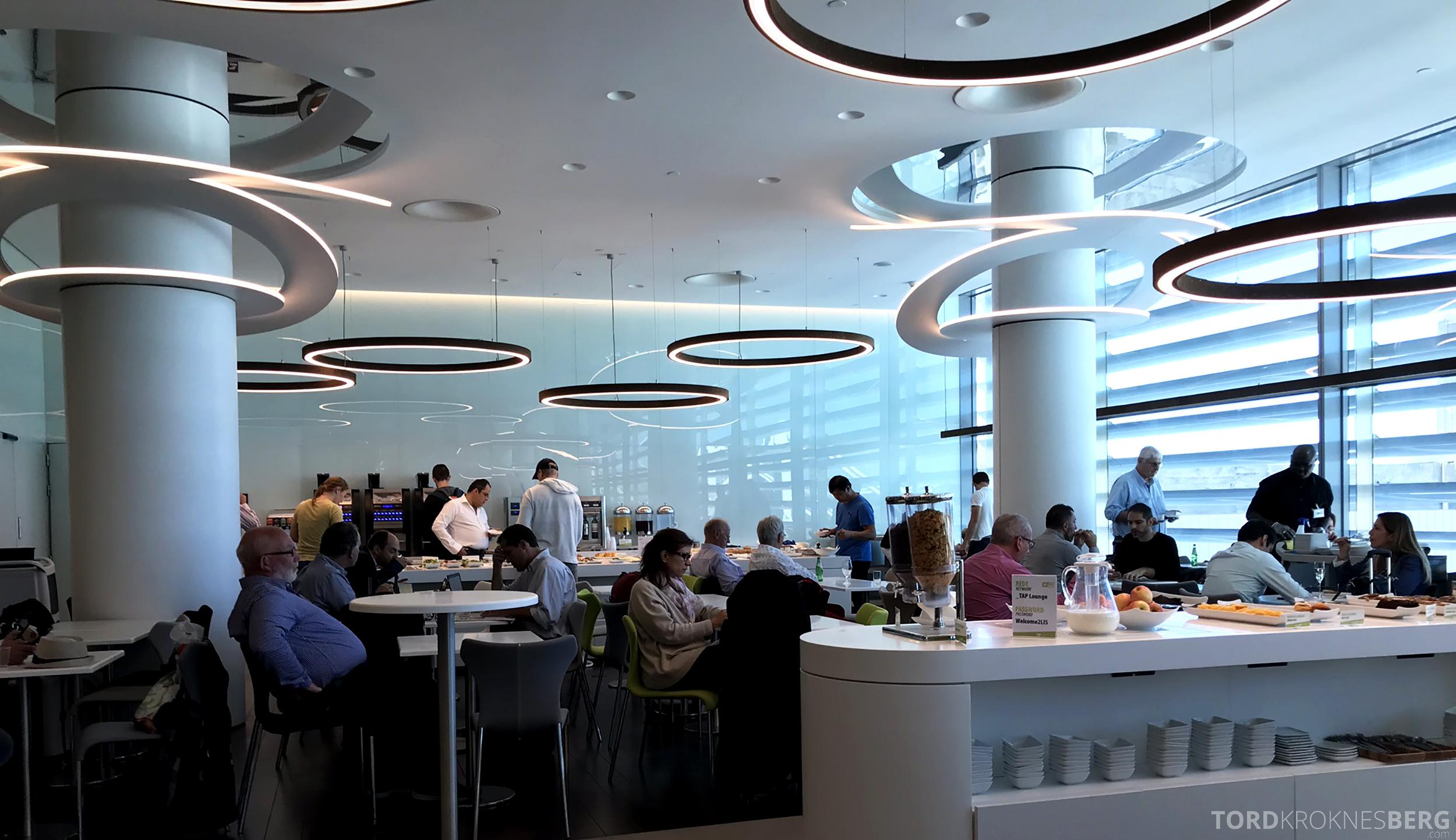 TAP Lounge Lisbon utsikt buffet