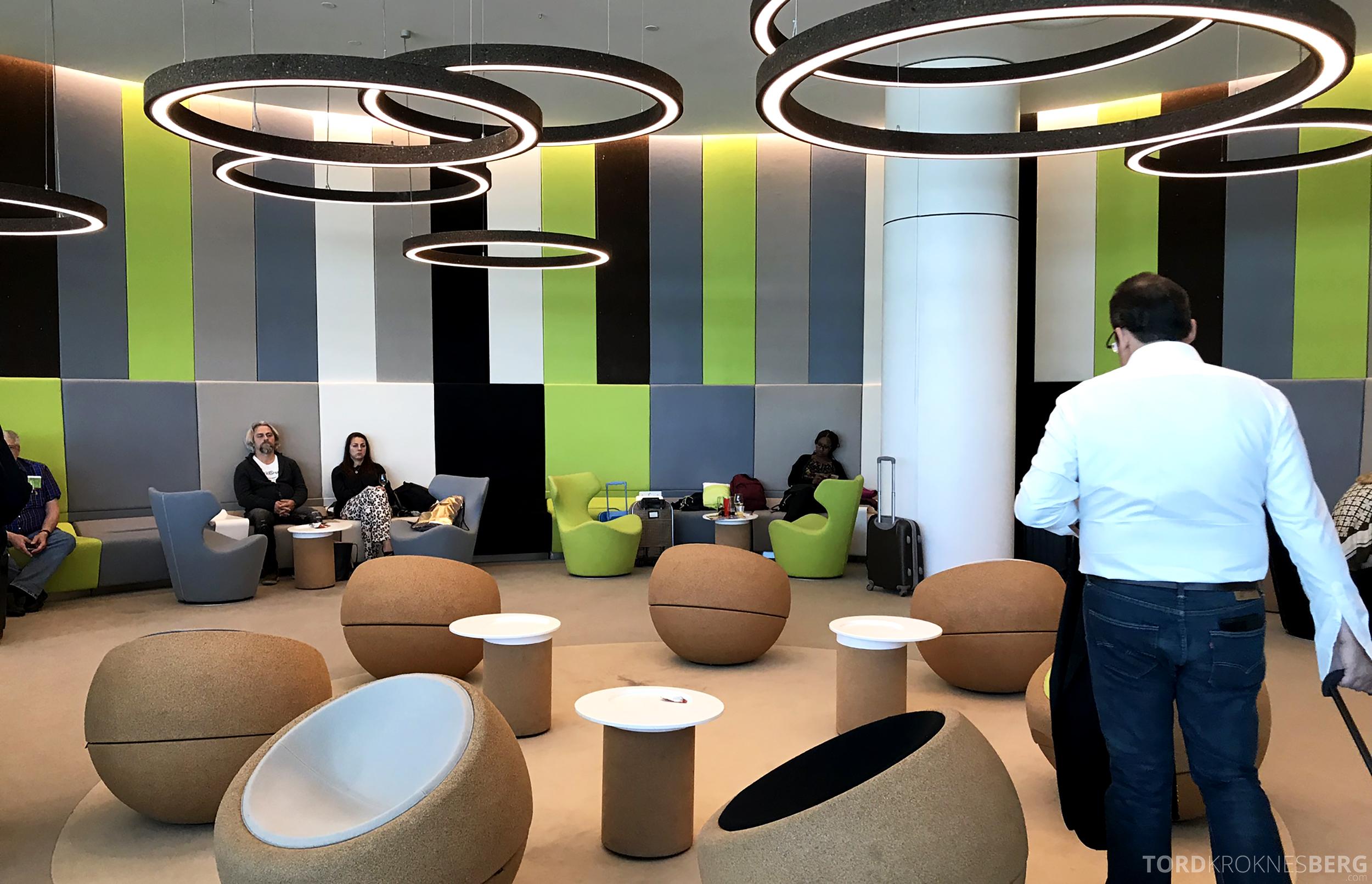 TAP Lounge Lisbon futuristisk design