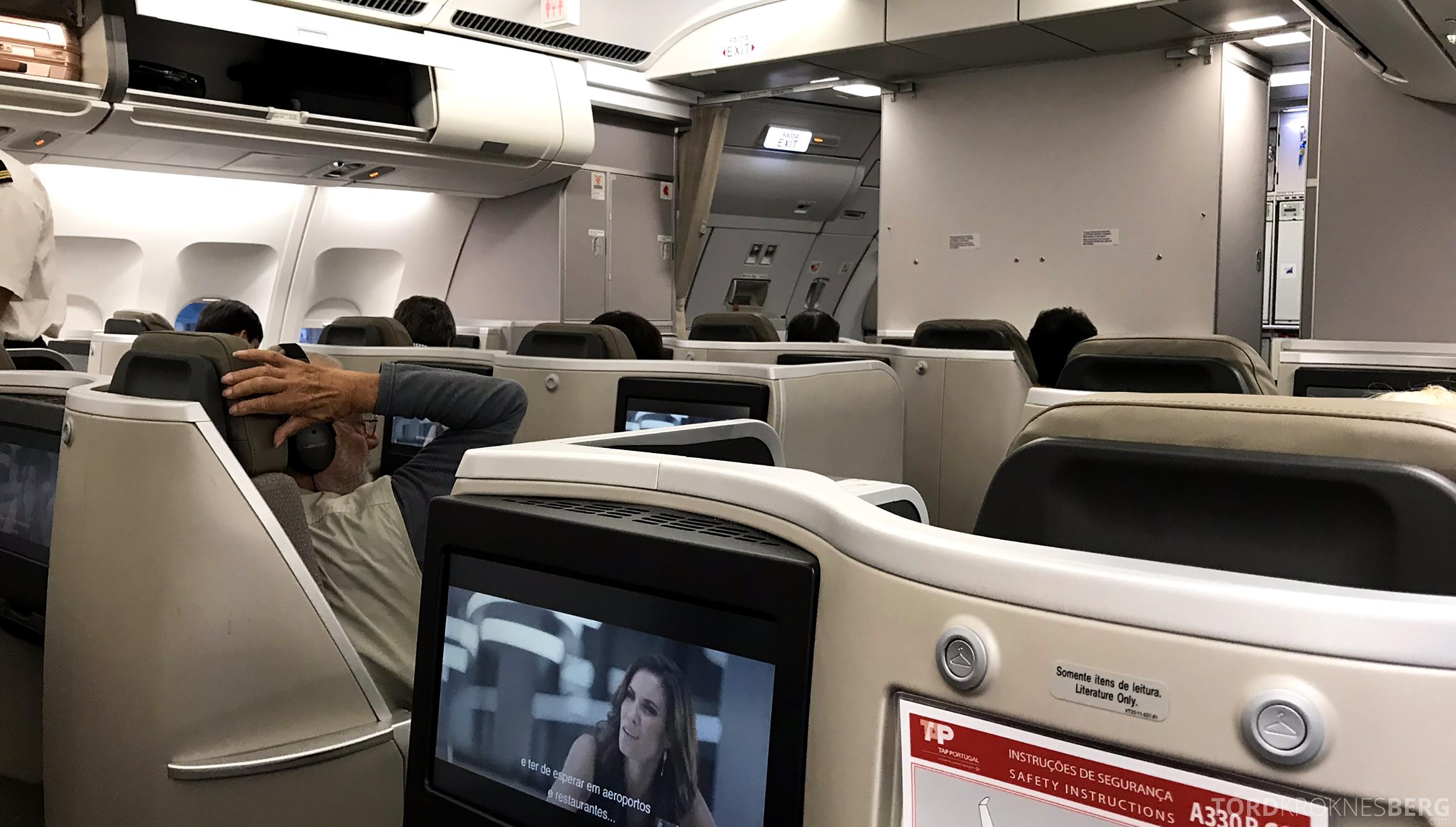 TAP Portugal Business Class Lisbon New York kabin