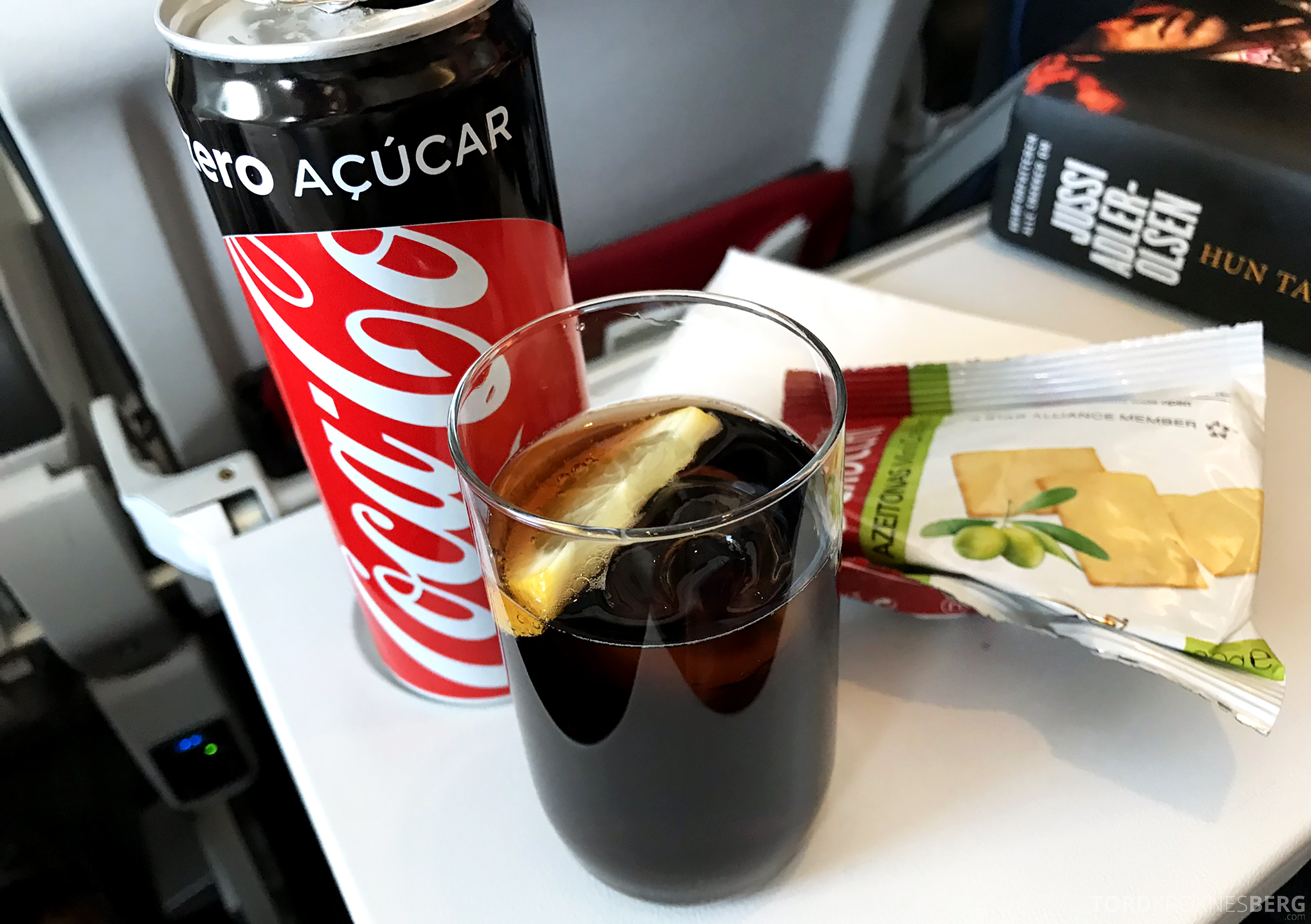TAP Portugal Business Class New York Lisbon Oslo aperitiff