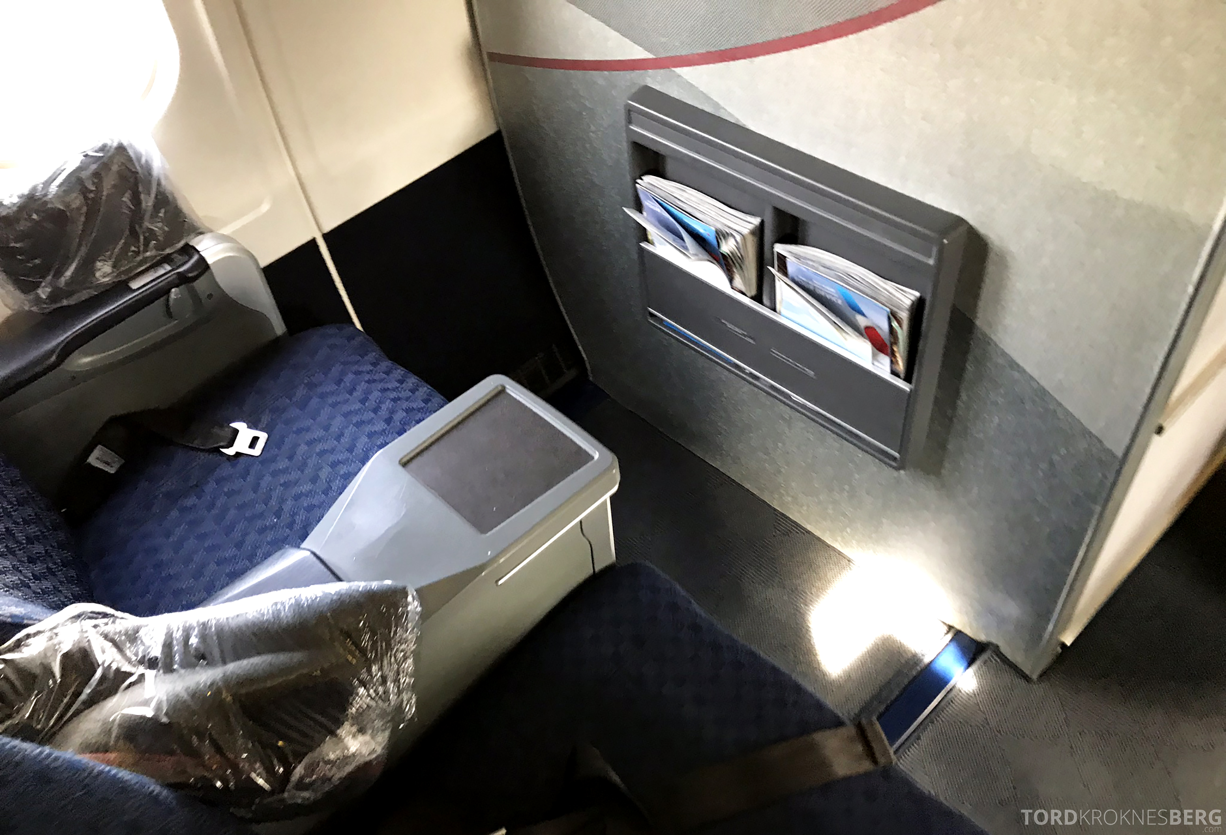 American Airlines First Class Minneapolis Chicago front row