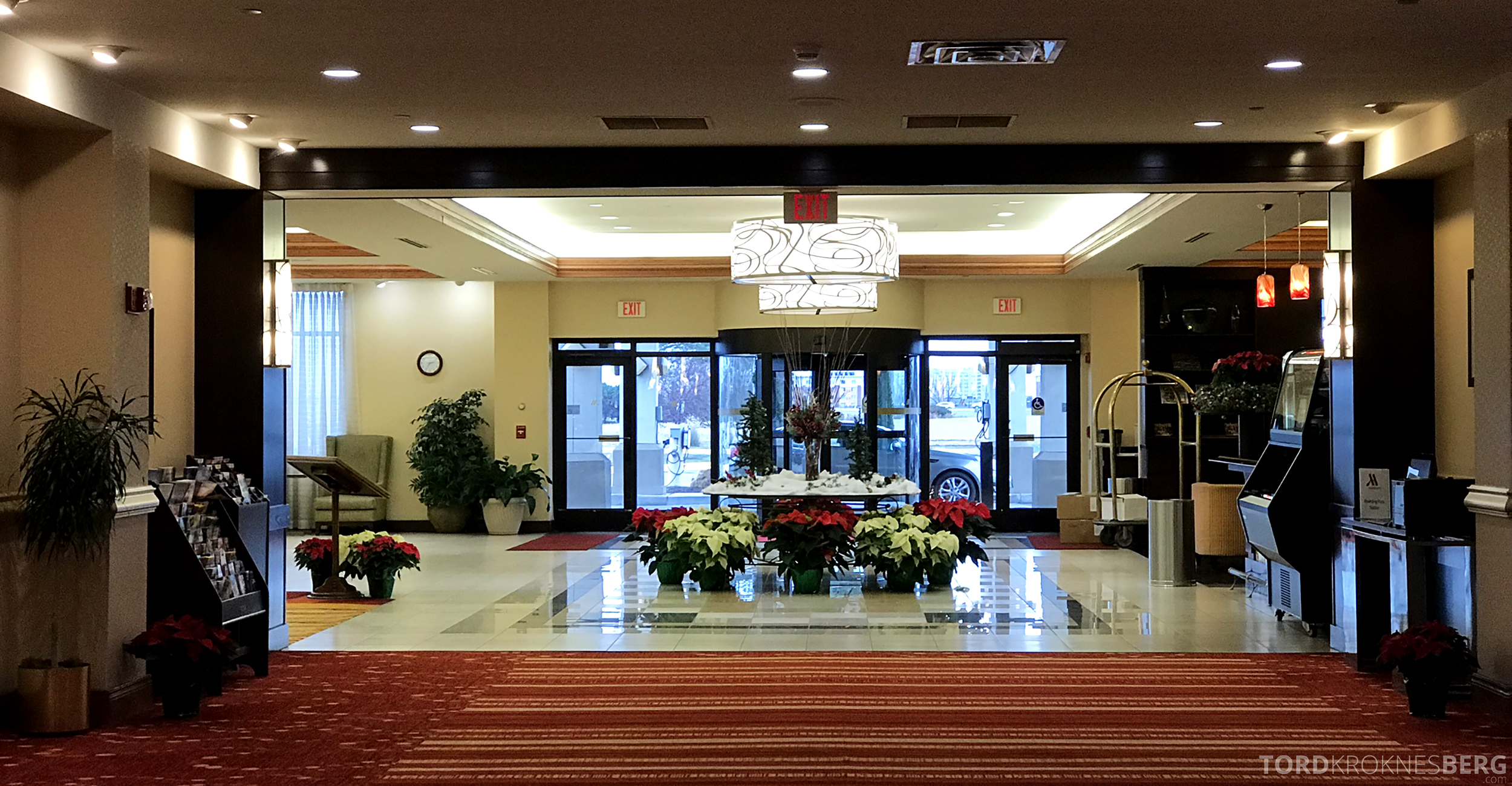 Marriott Bloomington Hotel lobby blomster