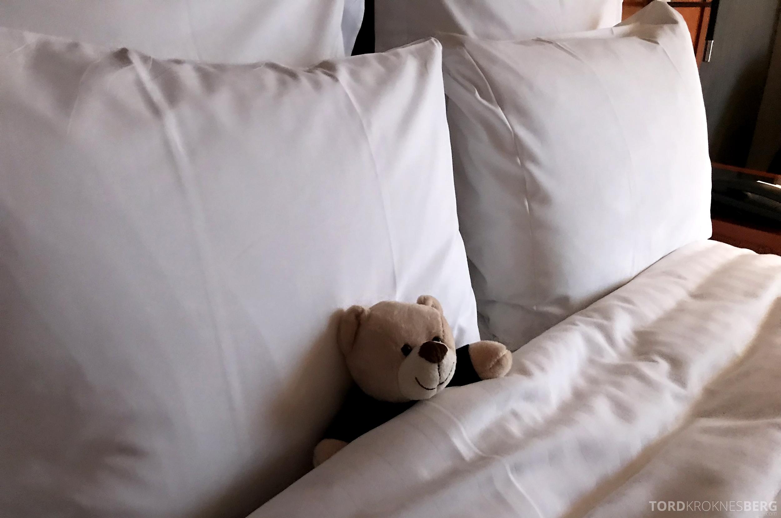 Marriott Paris Rive Gauche reisefølget seng