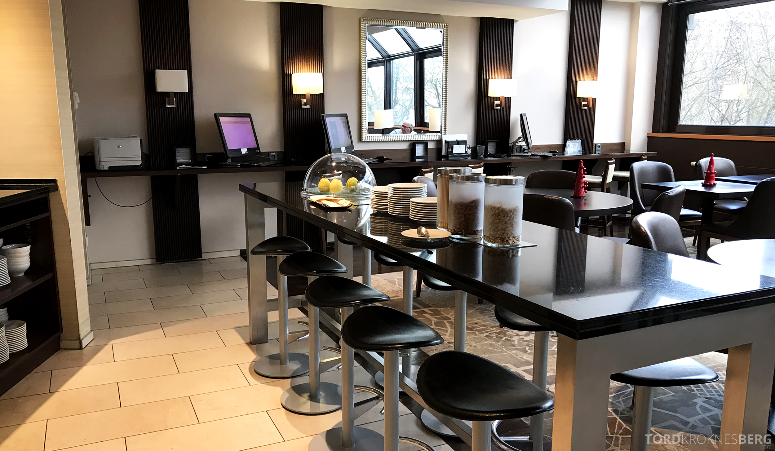 Marriott Paris Rive Gauche Executive Lounge bar